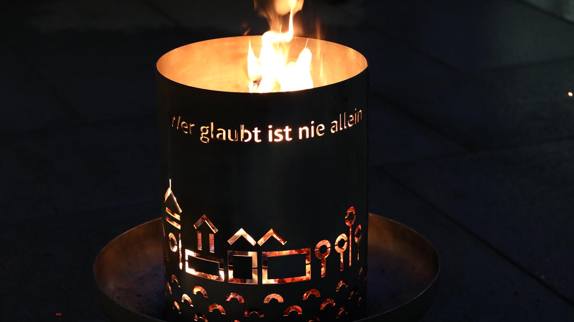 191210 Feuerschale Bistum Caritas title