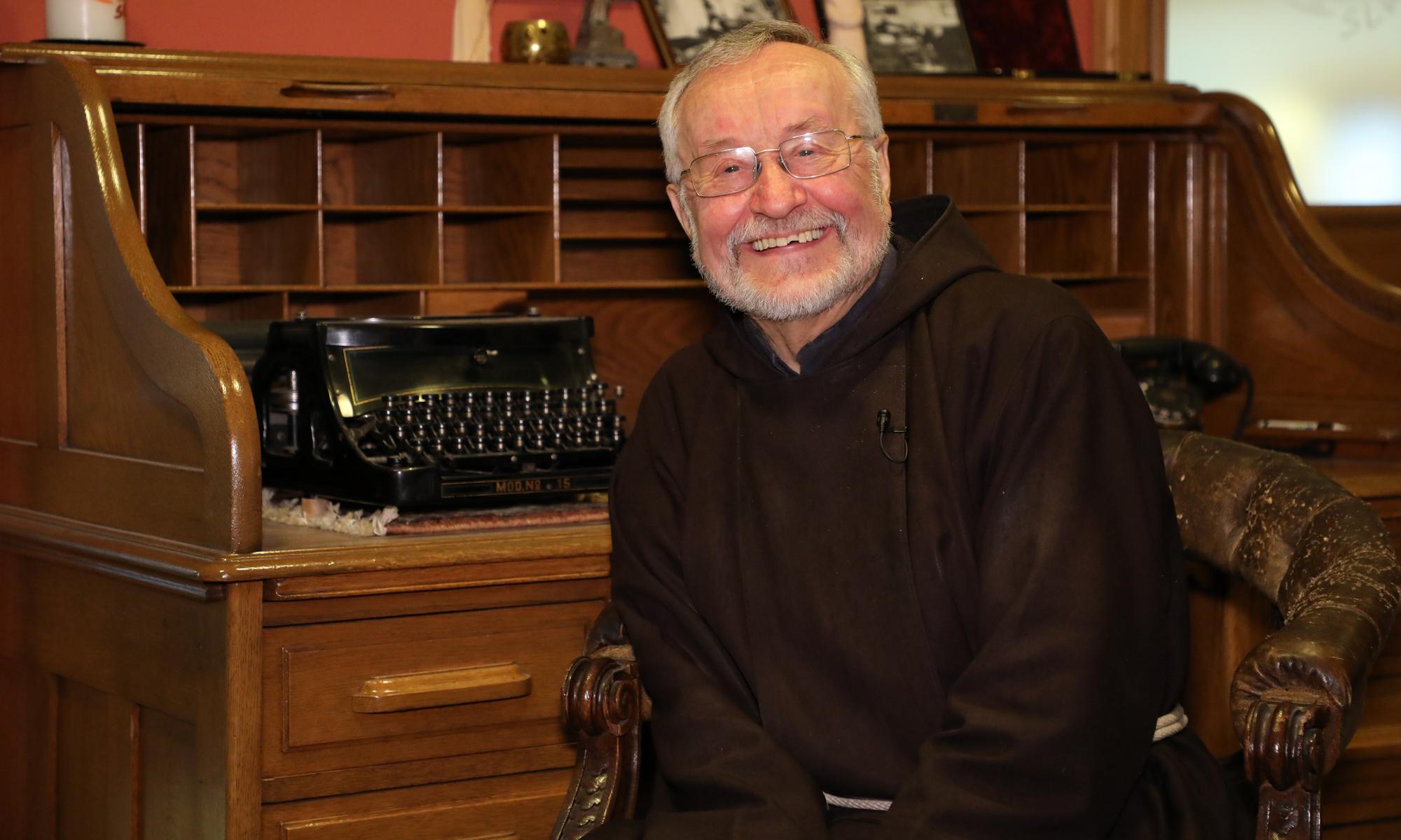 200203 Interview Pater Heinrich SLW hp