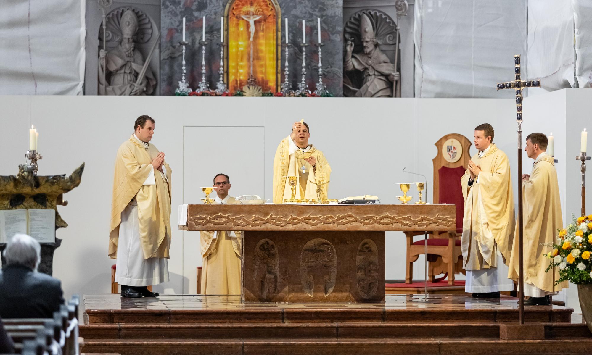 200627 Priesterweihe foto9 Simona Kehl