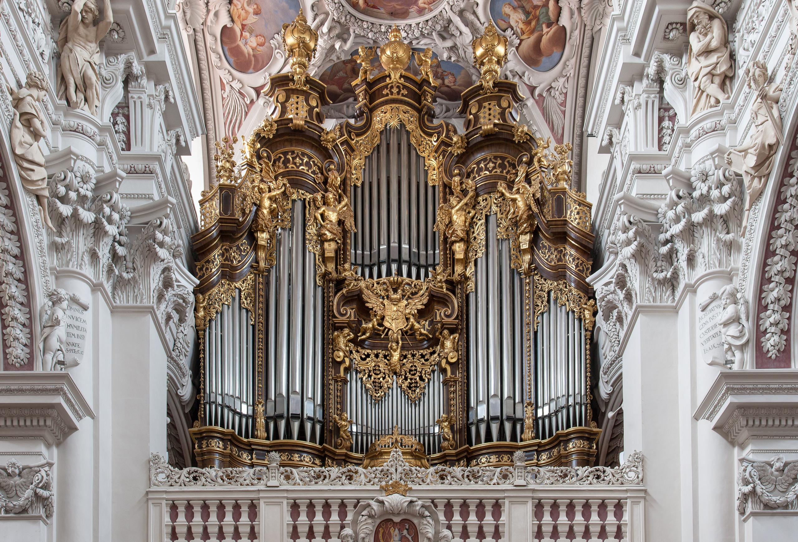 Größte Domorgel der Welt im Stephansdom Passau