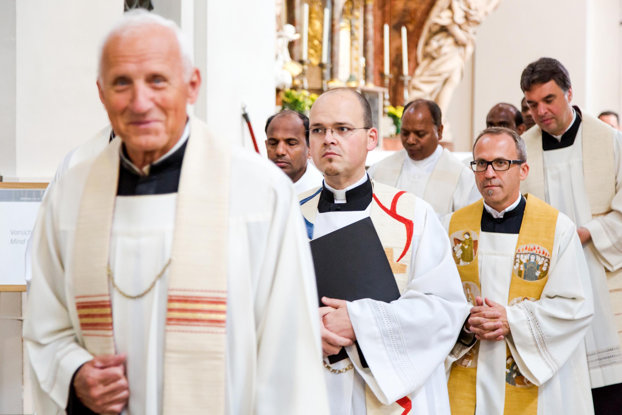 2019 Spiritualität Und Glaube Berufe Der Kirche