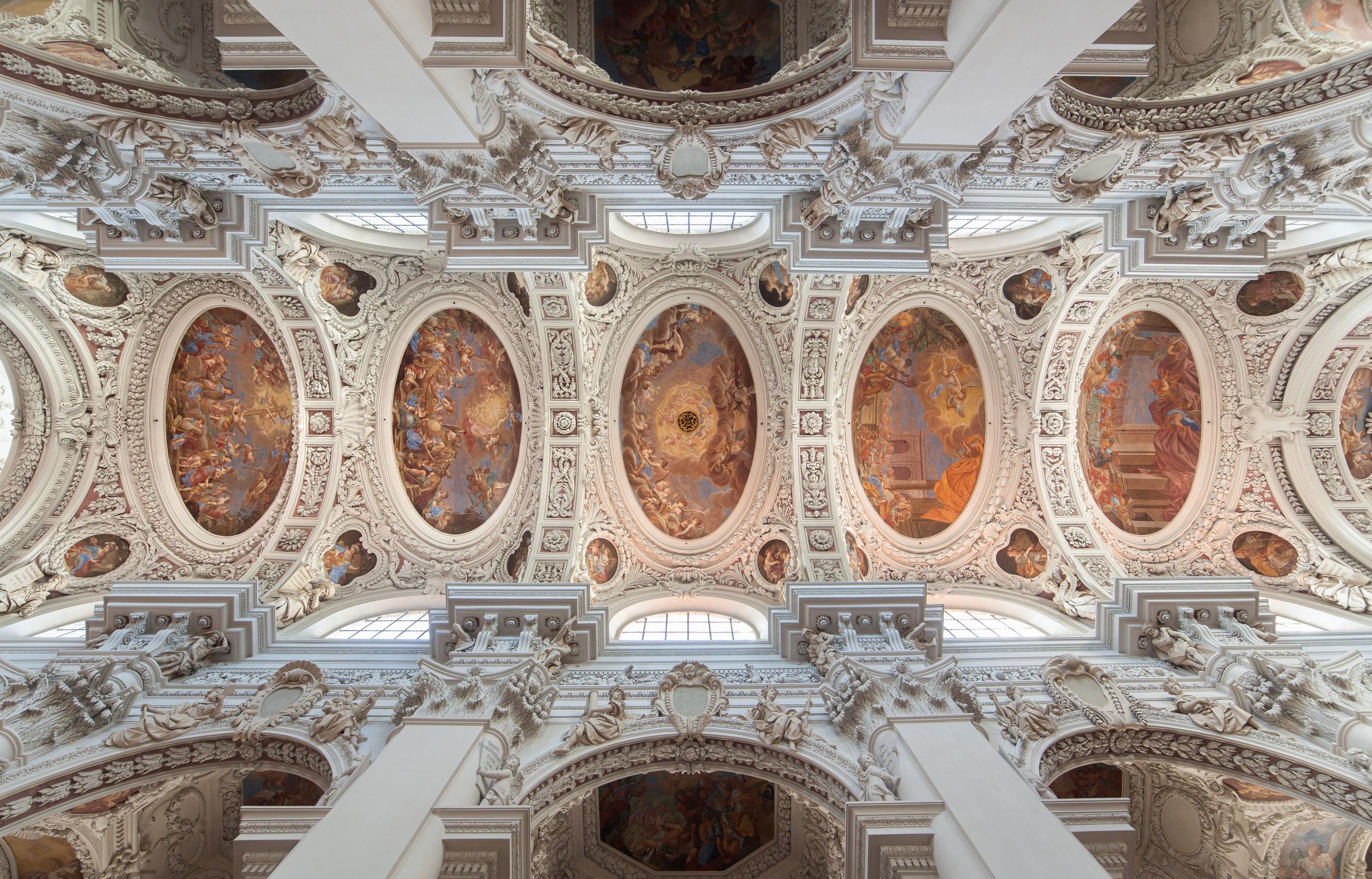 2019 Dom Passau Architektur Gewoelbe Malerei