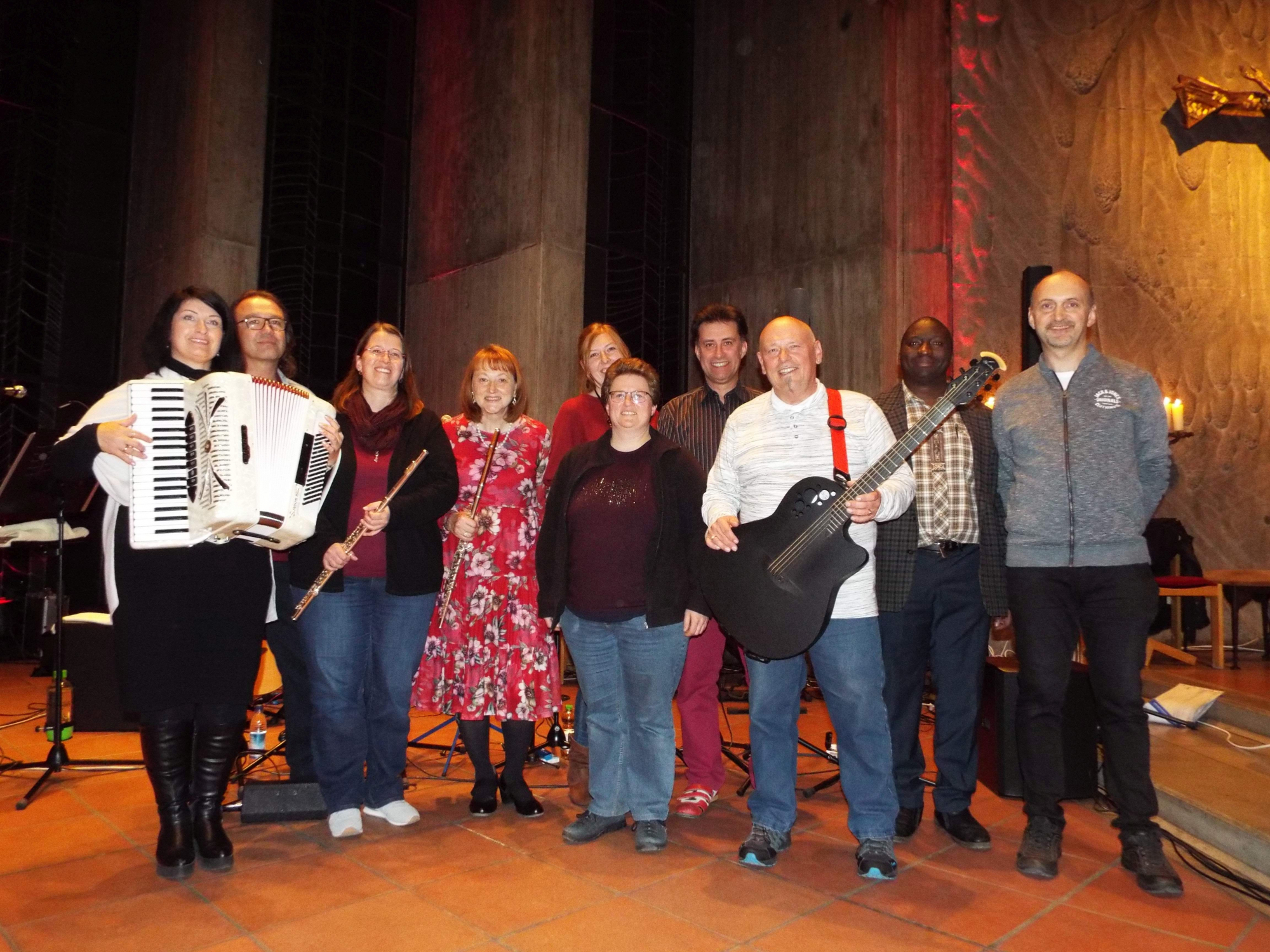 2019_News_2.-Passauer-Worship-Night-19.10.2019-FRESH-Gruppenbild-1