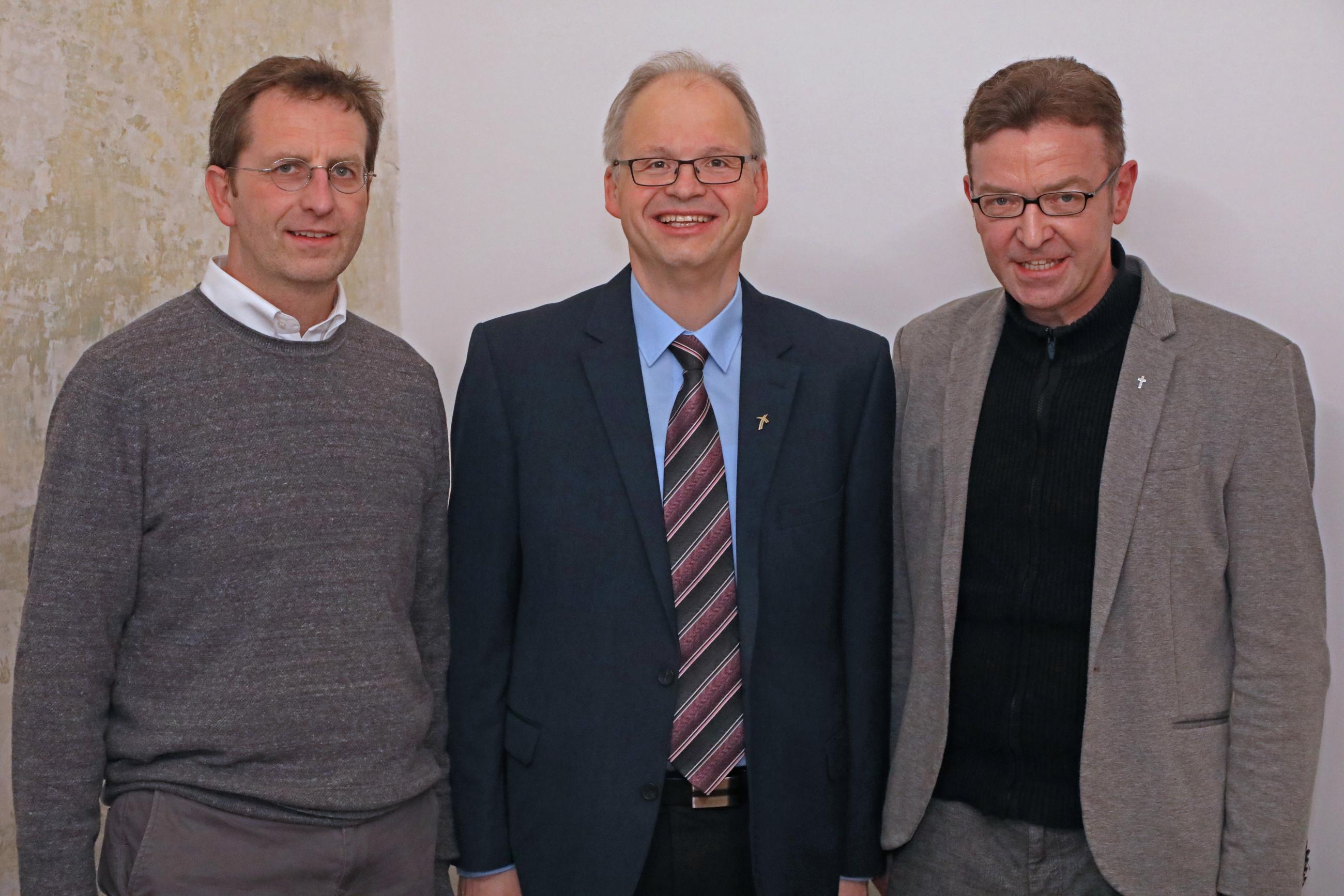 Bischöfliche-Kommission-neue-Mitglieder_Dreiergruppe1