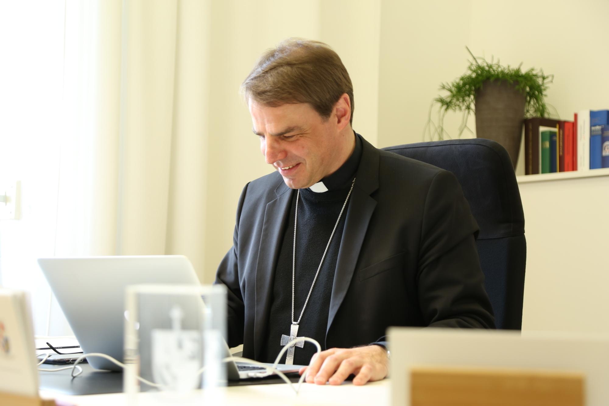 Bischof Stefan Oster Medien Presse Social Media 2021