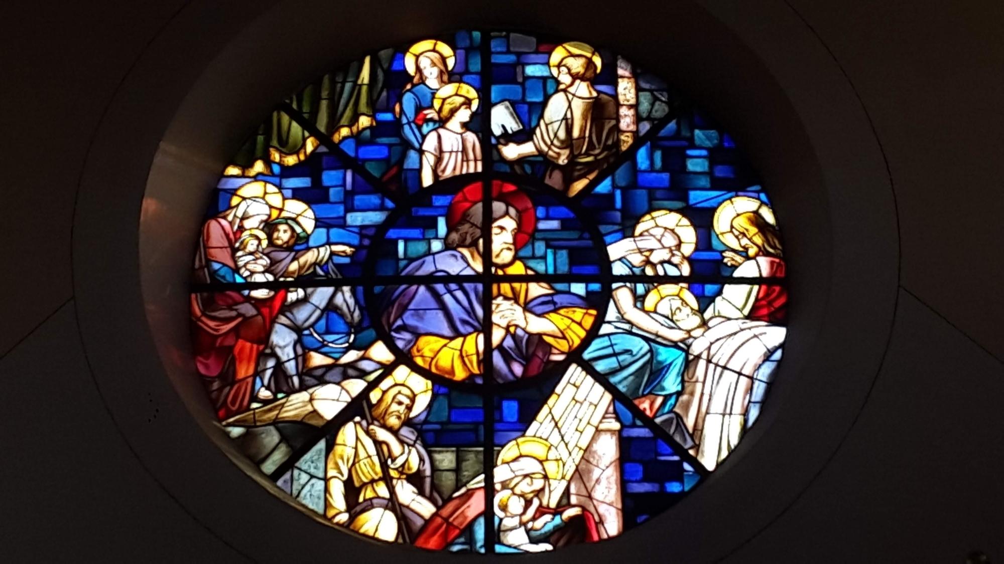 Glasfenster St Josef Schaibing Fotoquelle Pfarrei Schaibing
