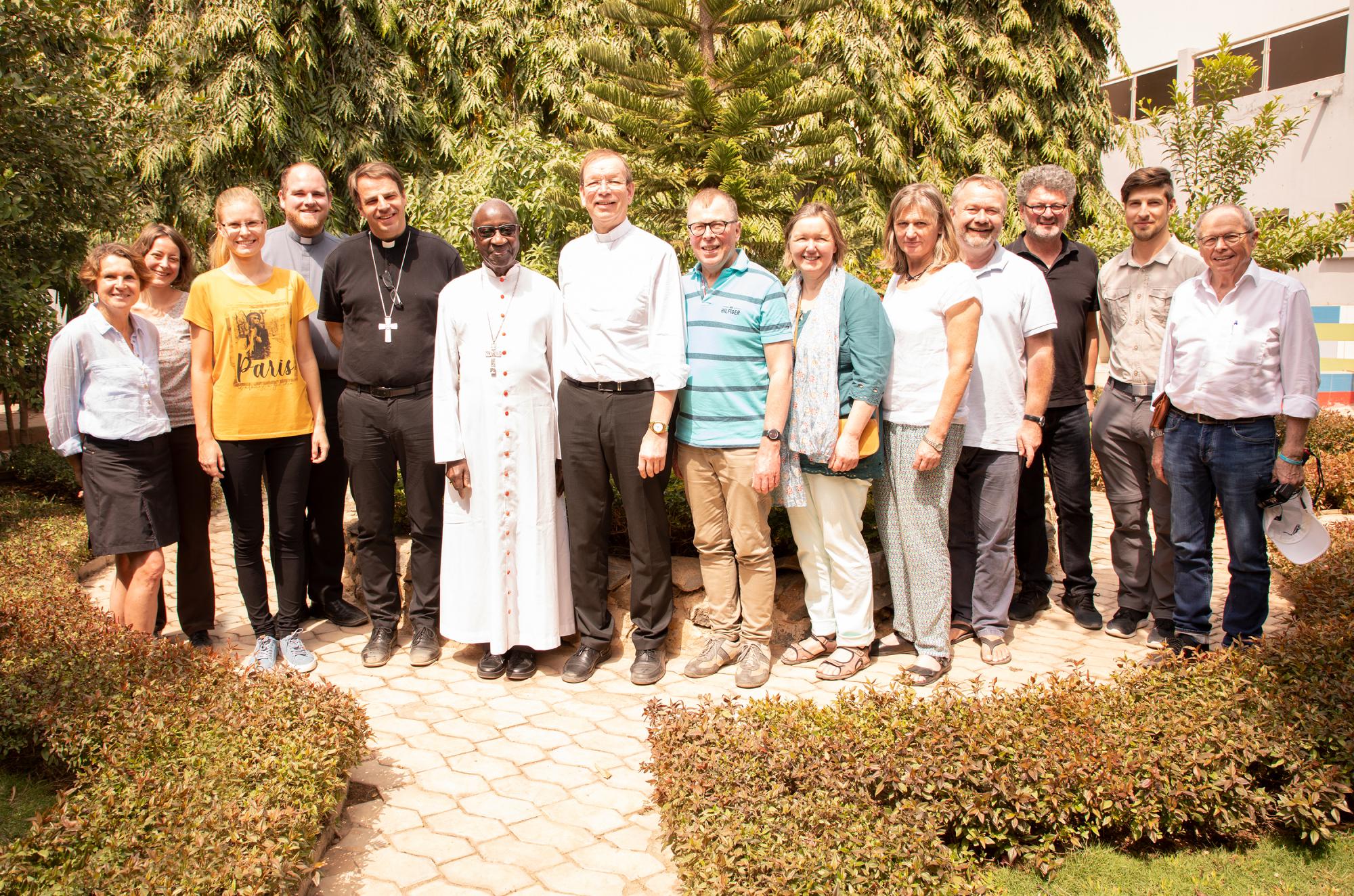 Gruppenbild Senegal Kardinal Sarr low