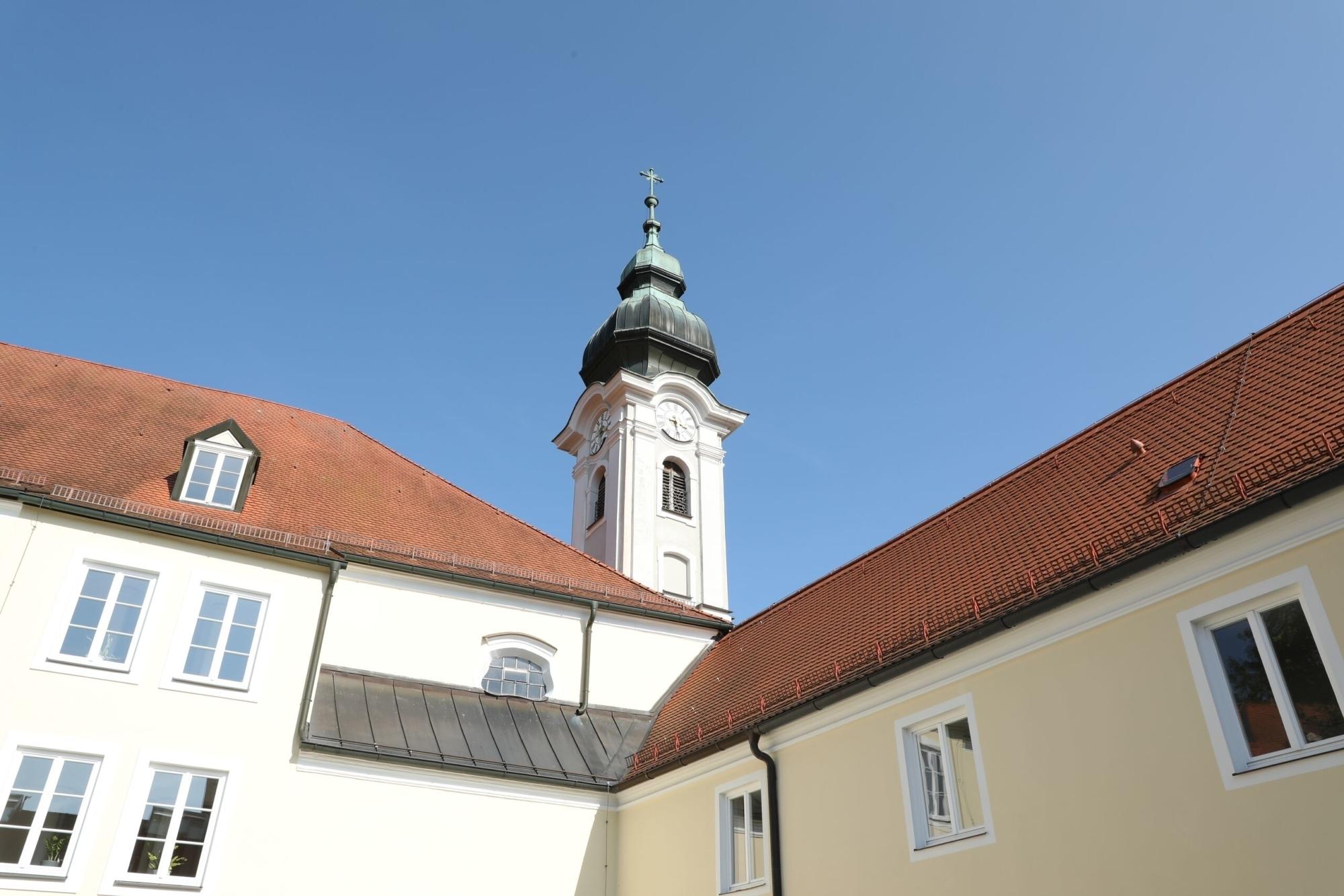 Mittel Haus der Begegnung HEILIG GEIST Burghausen