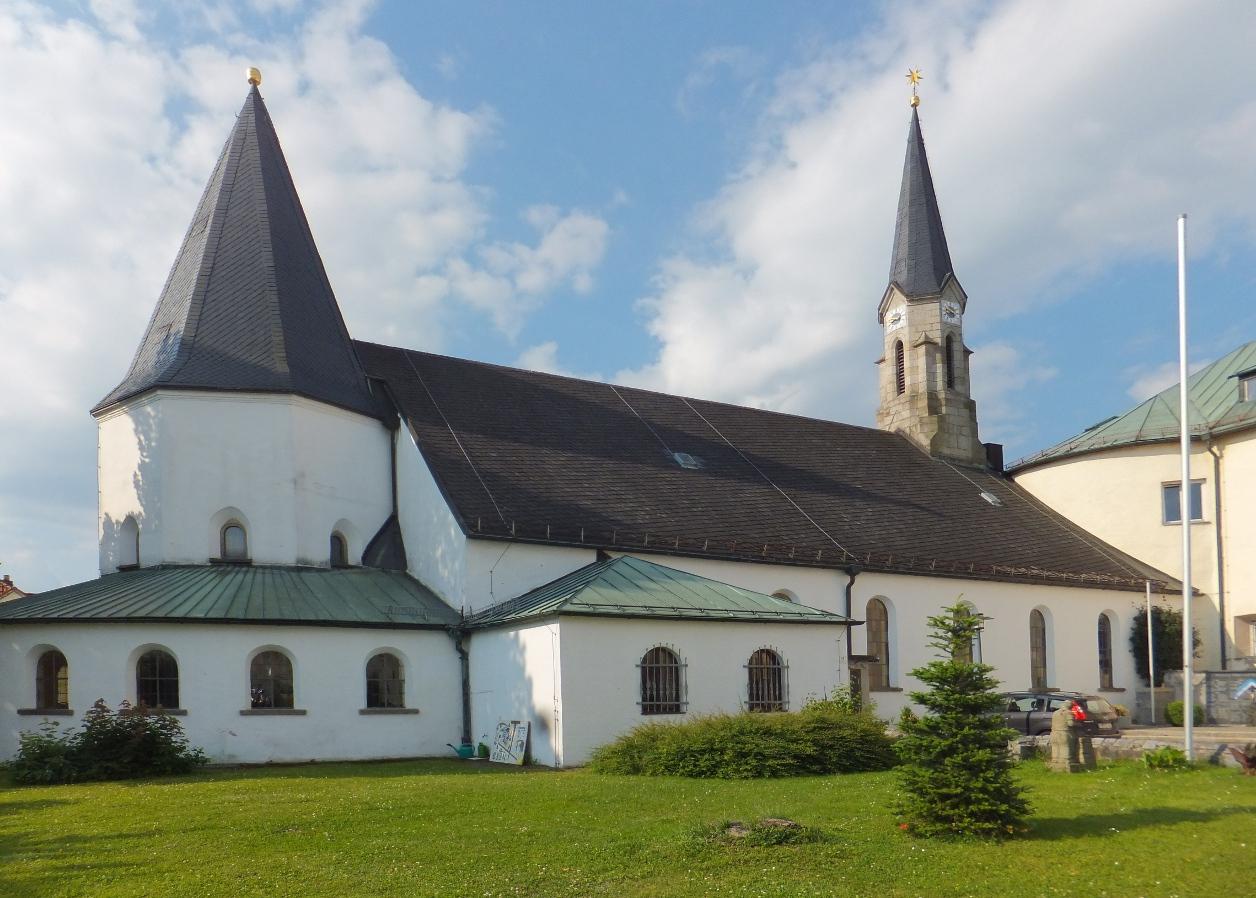 Pfarrkirche Hl  Dreifaltigkeit Fuerstenstein