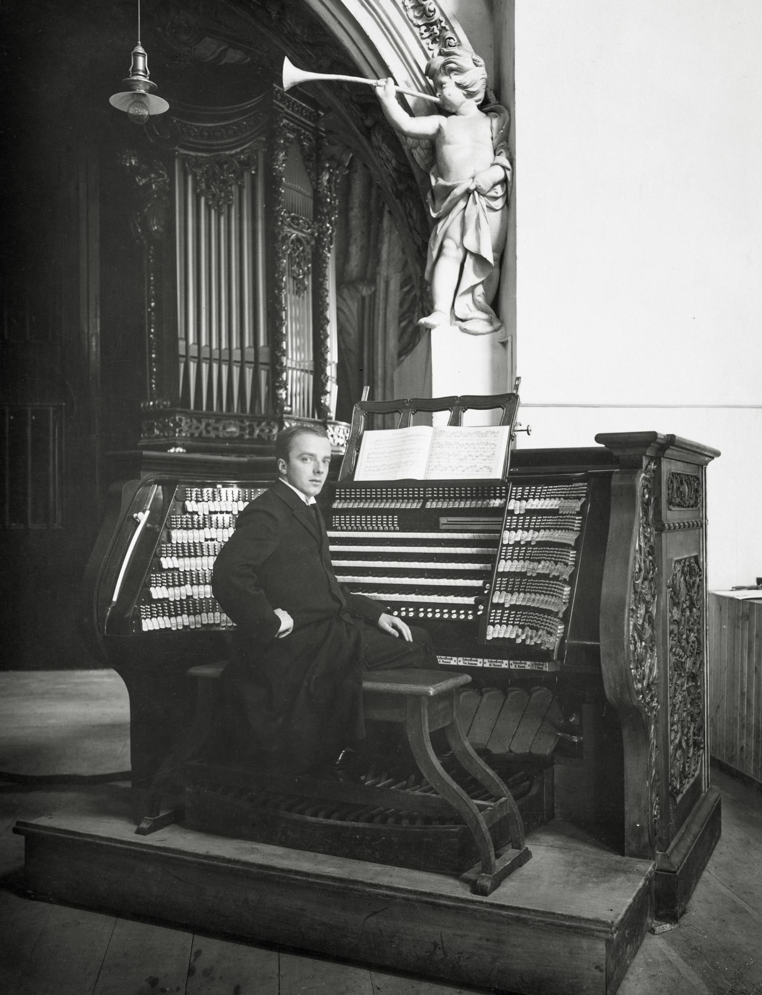 Steinmeyer Archiv Bild 2 Domorgel 1928