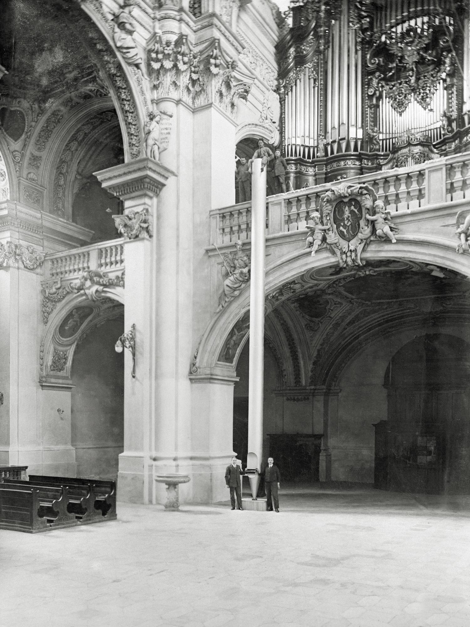 Steinmeyer Archiv Bild 5 Passau Groesste Orgelpfeife1928
