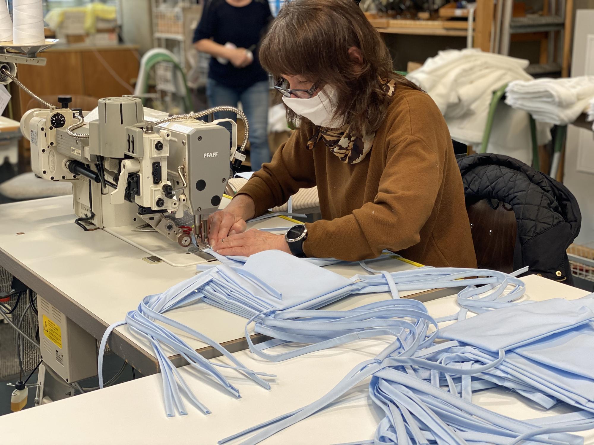 Wolfsteiner Werkstätten planen 100 000 Stück Mund Nasen Masken IMG 3573
