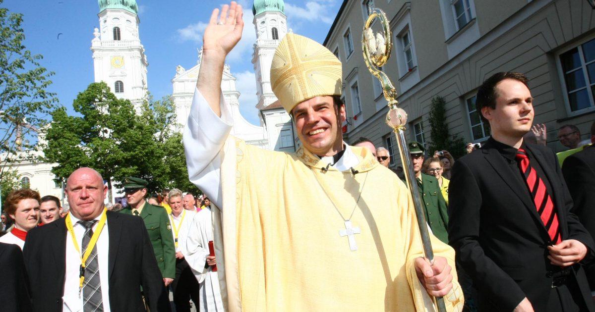 Bischof Oster Facebook