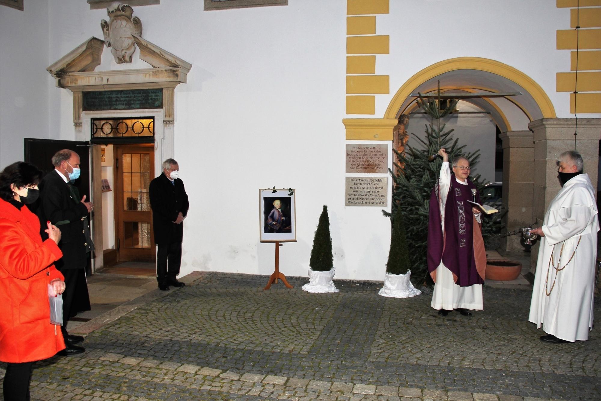 Bp Bistumsblatt Mozart Gedenktafel Enth llung PA Mariahilf Freyberg 05 12 2020 1