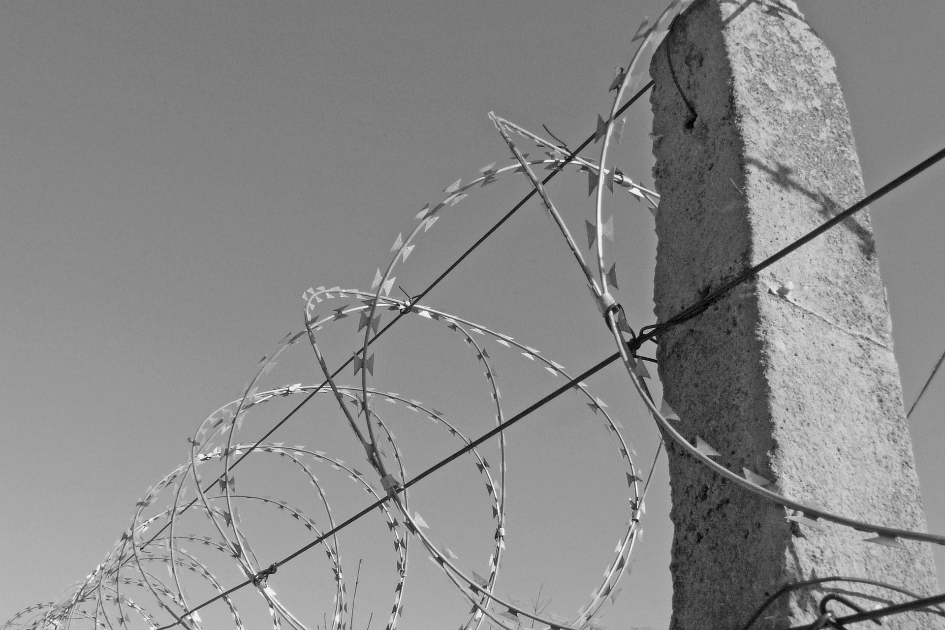 Wire 3235327 1920 Bild von Da Kub auf Pixabay
