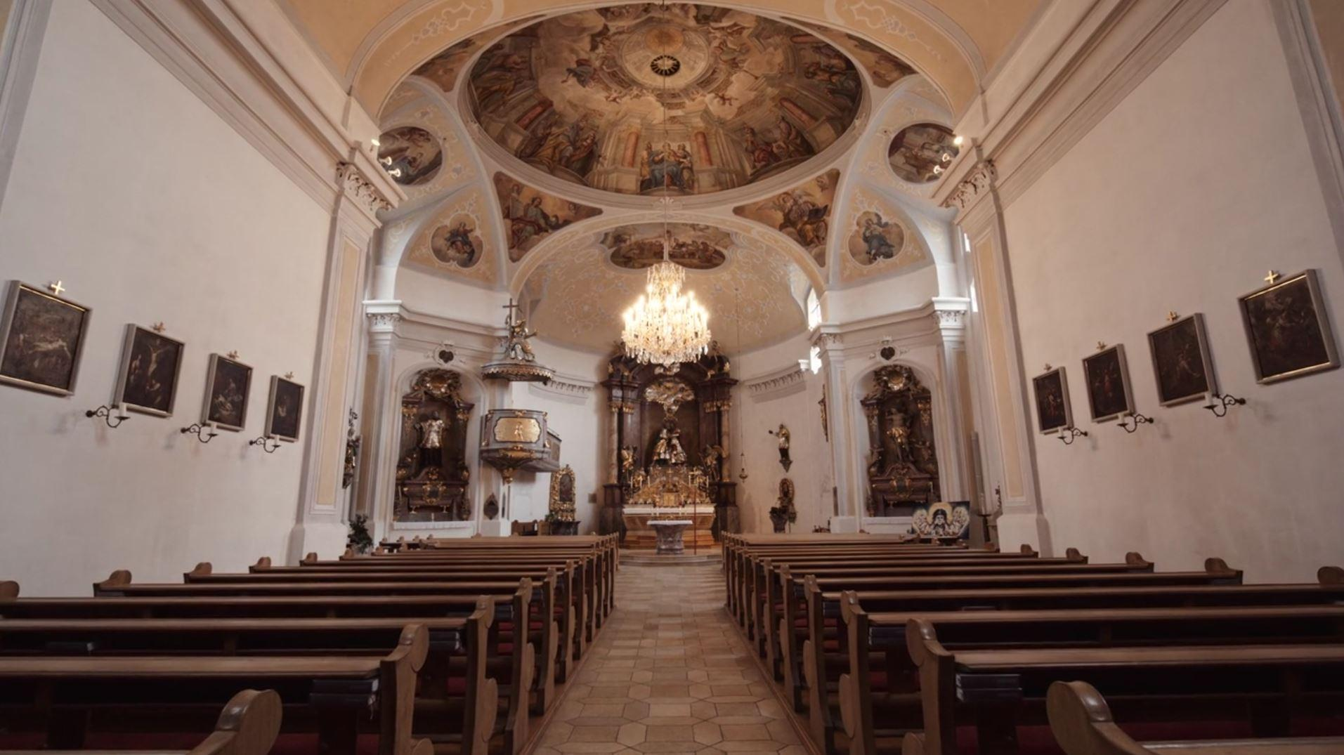 Pfarrkirche-Aicha_vorm_Wald3