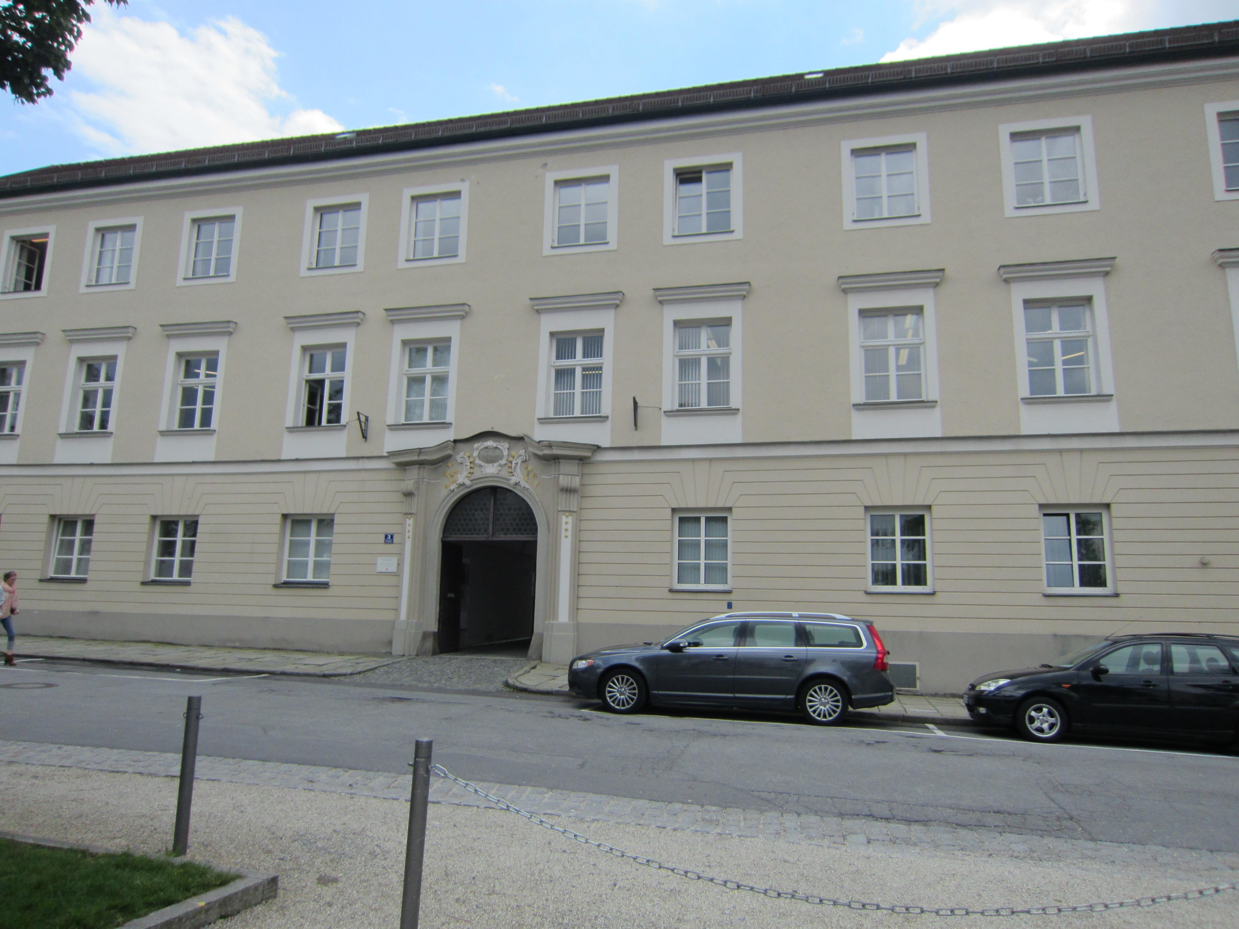 Geschäftsstelle-Domplatz-3