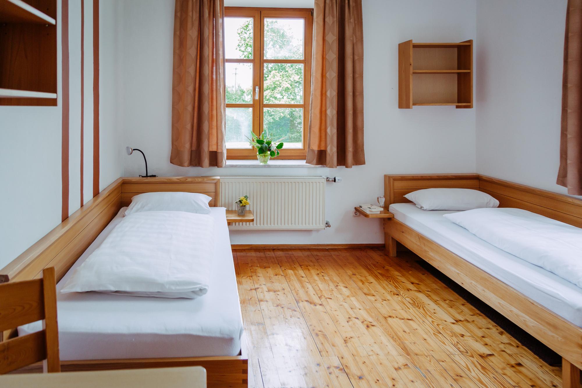 Jugendhaus Dornach Zweibettzimmer