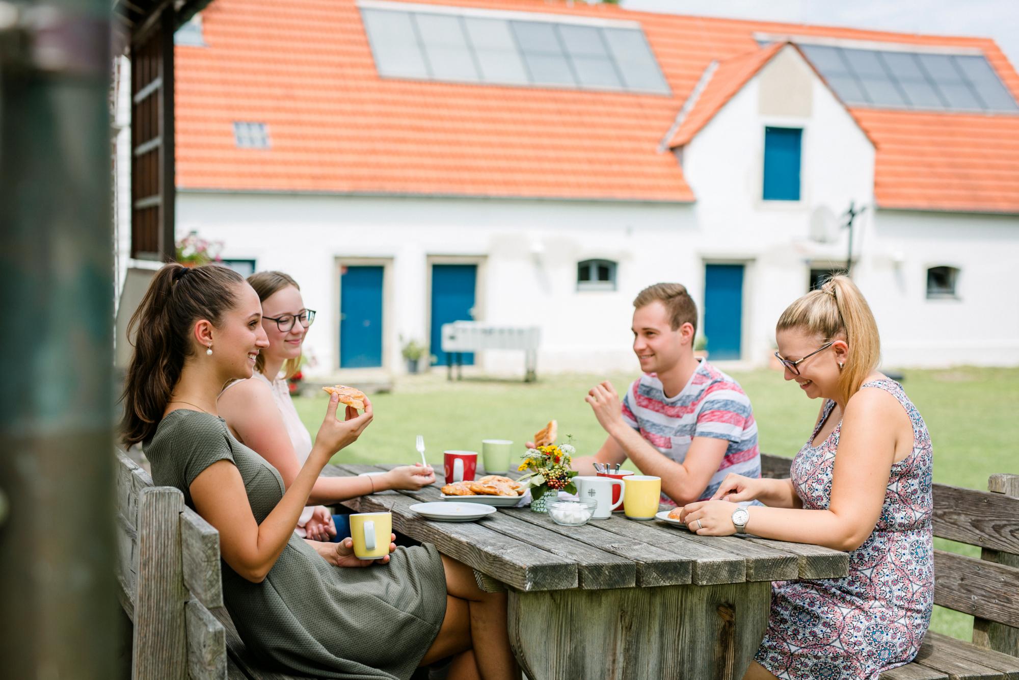 Jugendhaus Dornach Sitzganituren