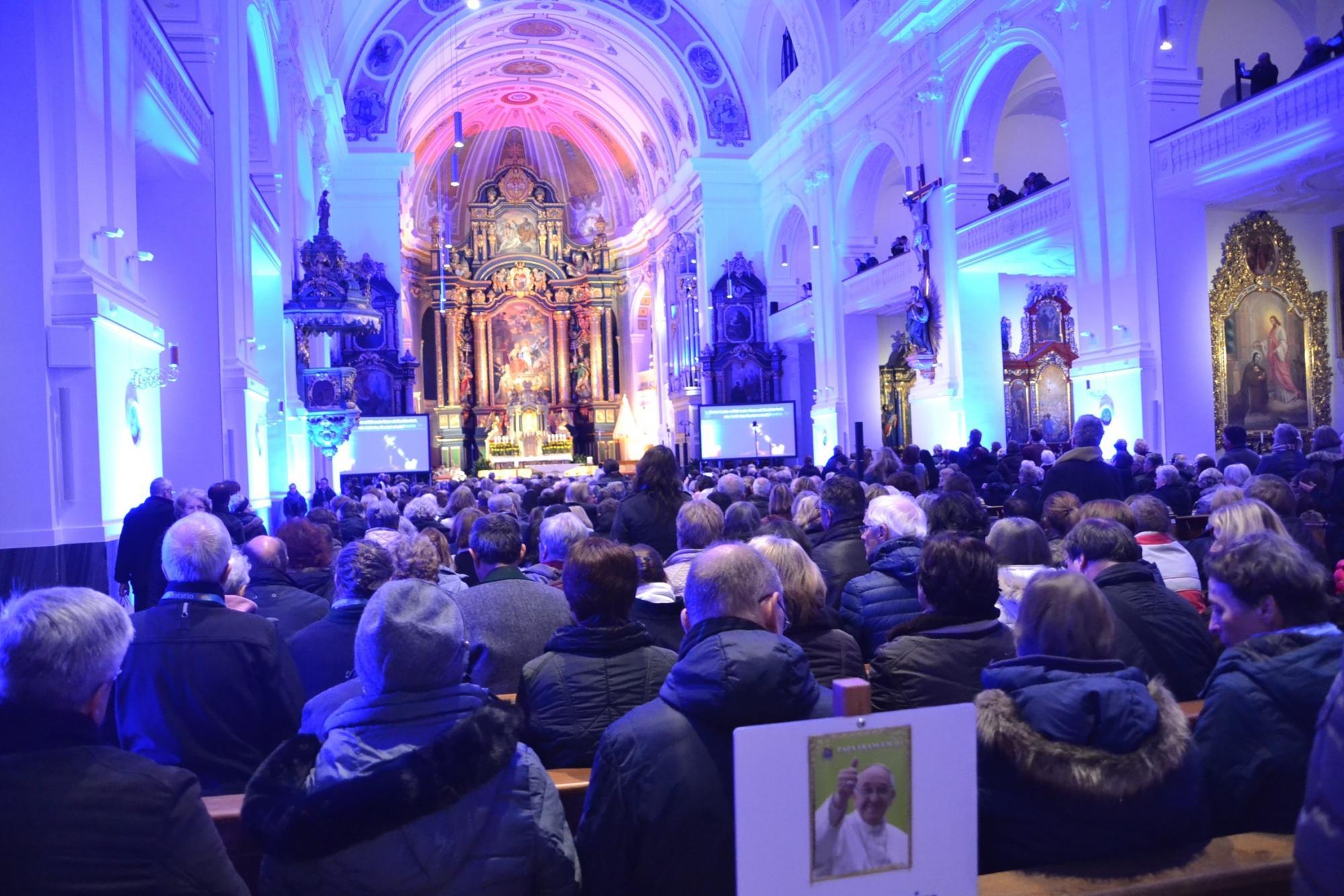 2019-ueber-den-boten-gebetsabend-in-der-basilika