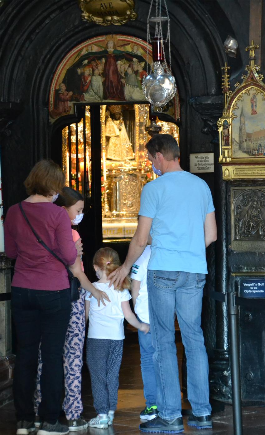 2020 05 22 aoelfb gnadenkapelle familie