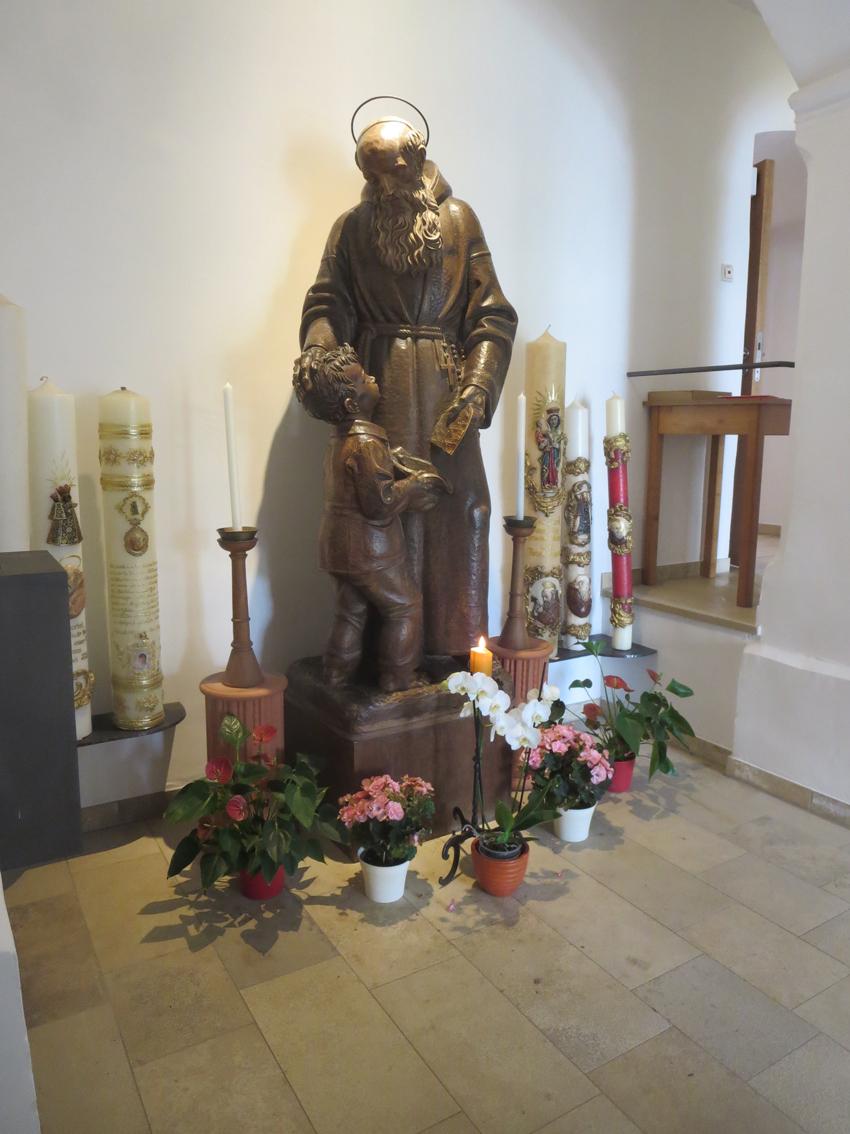 2020 06 22 aoelfb stkonradkloster statue bruder konrad