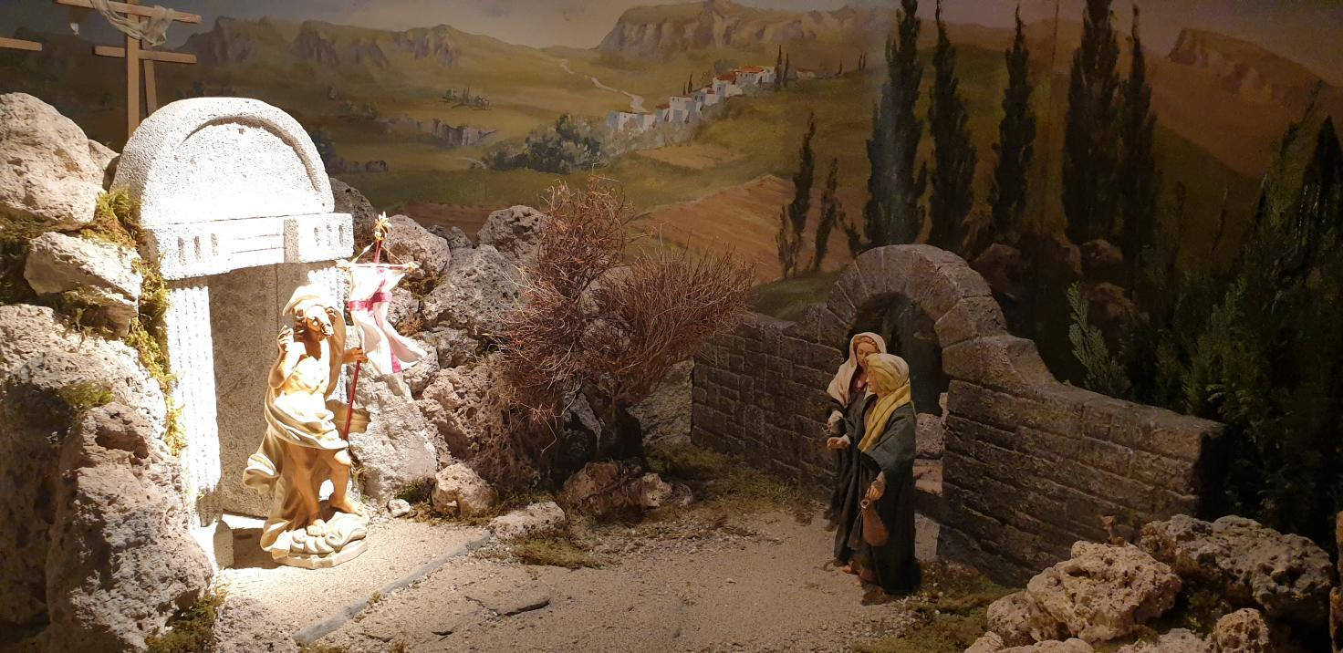 SPJ Jahreskrippe Christus resurrexit