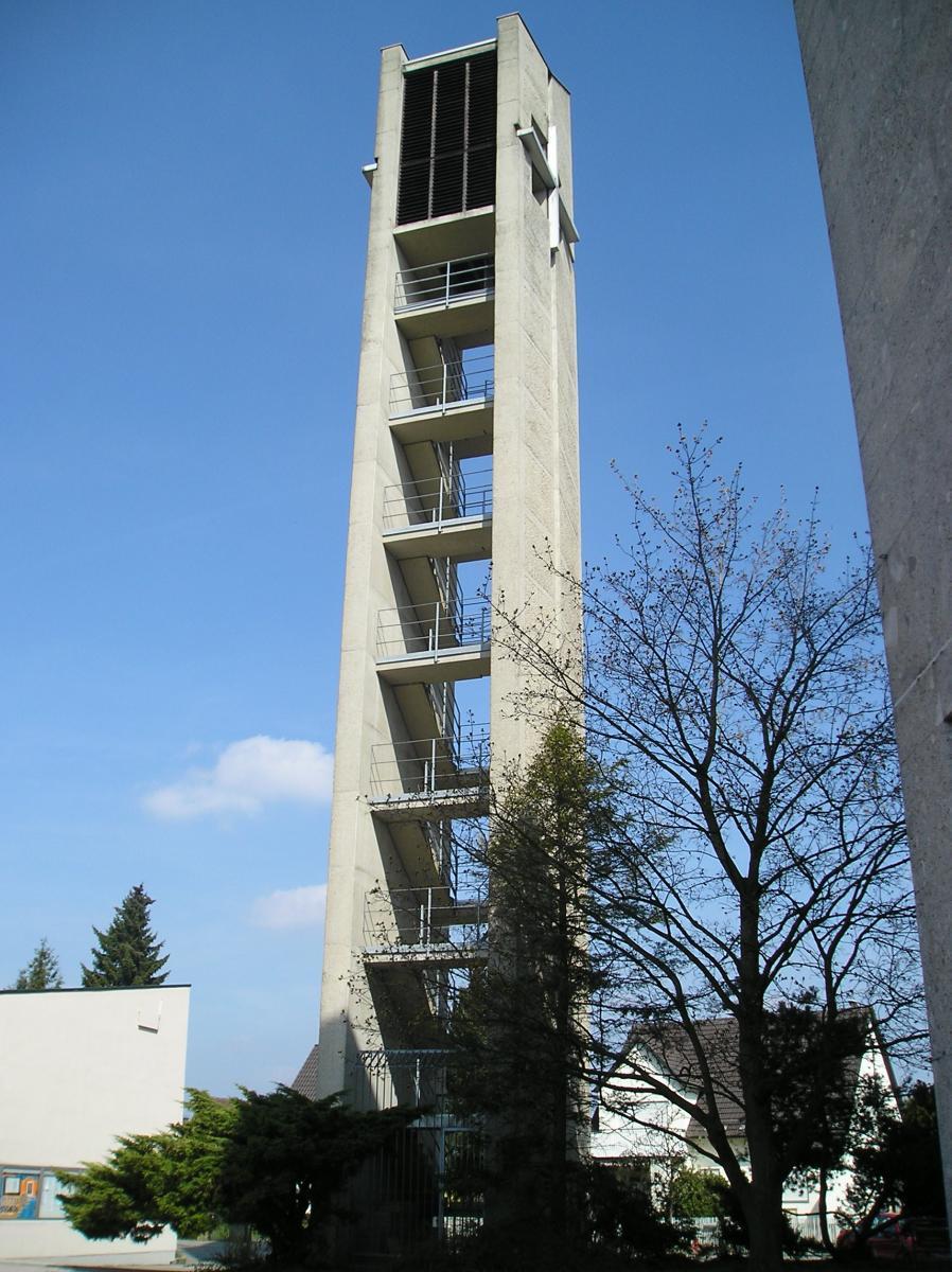 Aoes St Josef Kirchturm