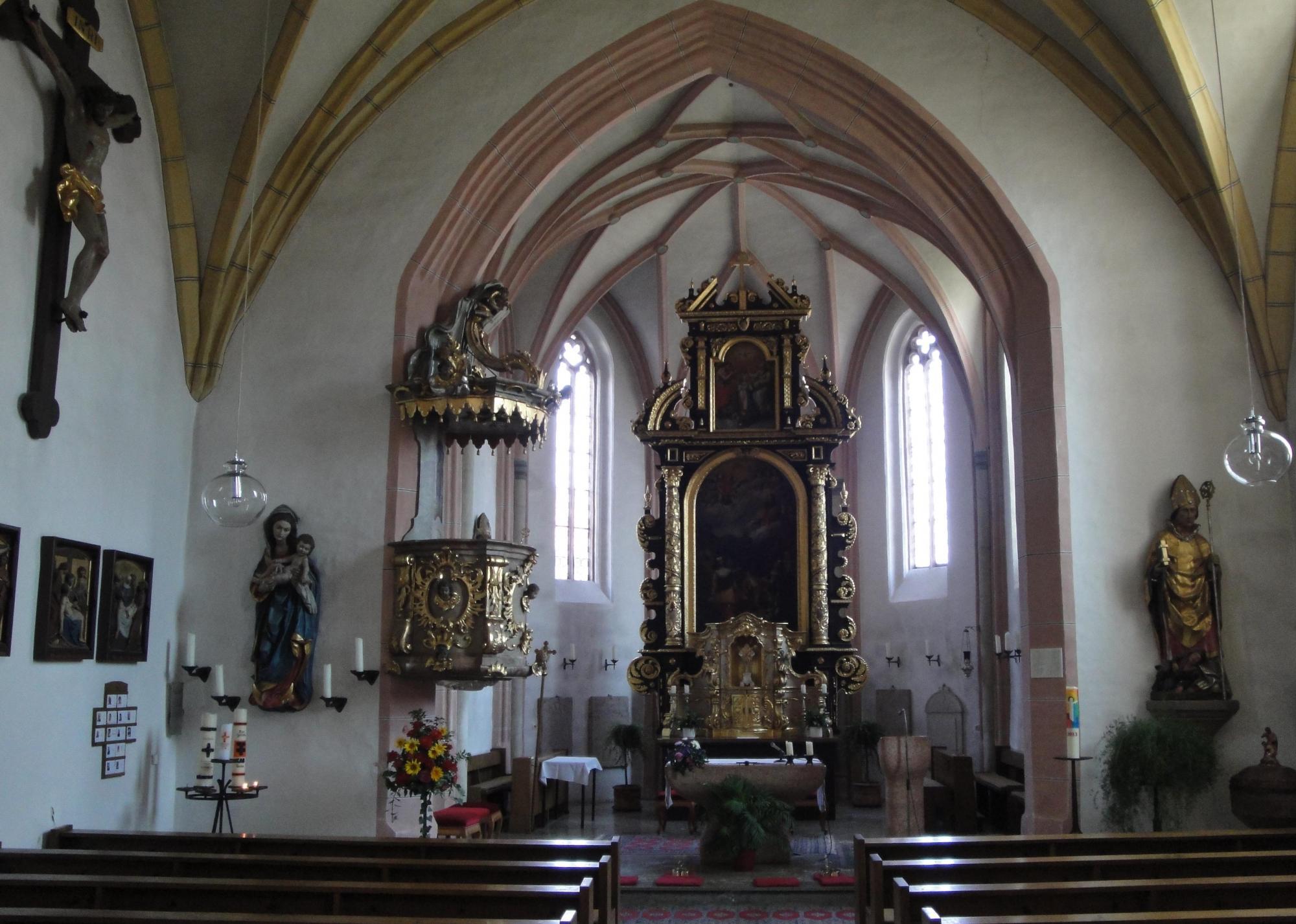 Reu Pfarrkirche innen