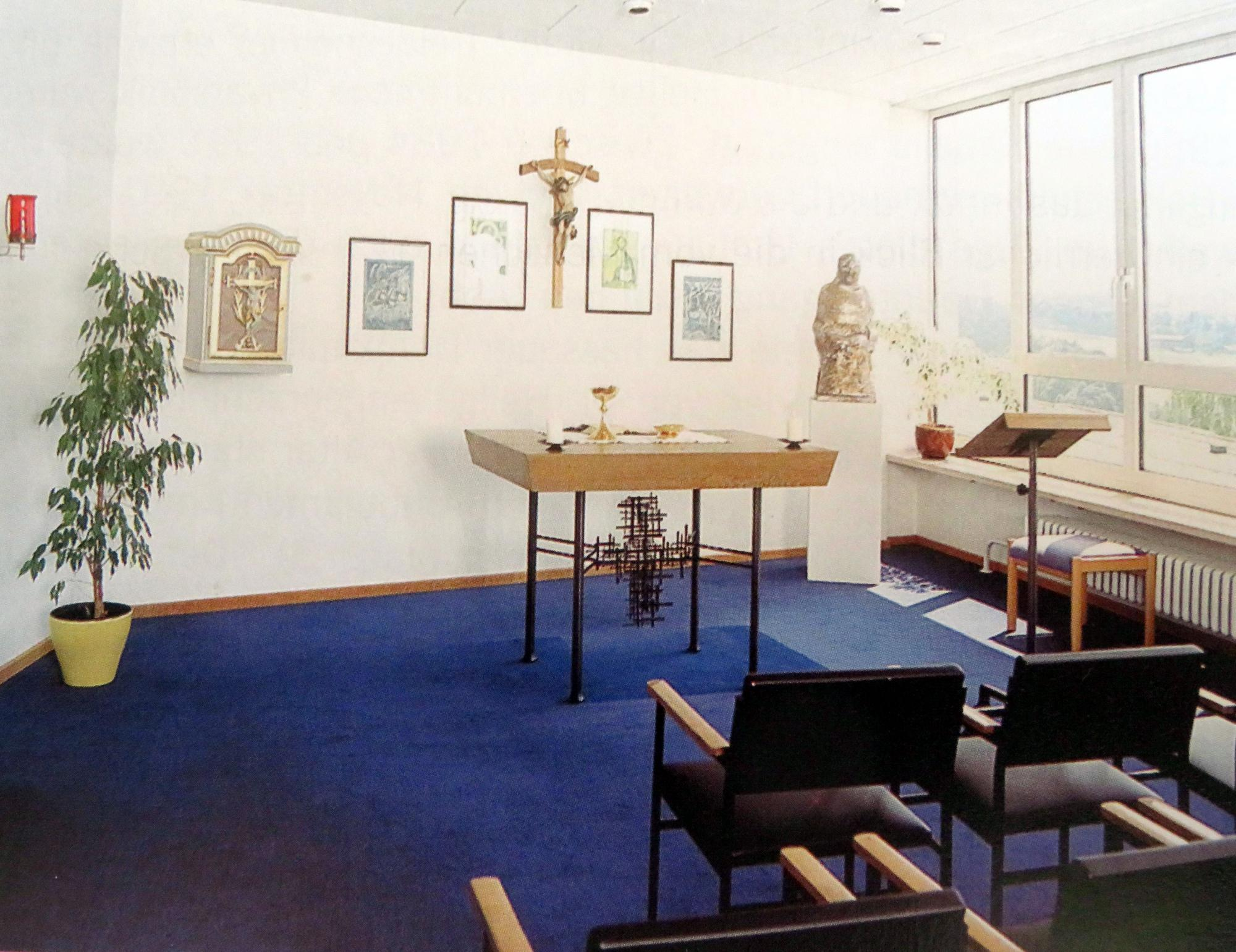 Altar im Saal