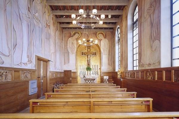 Kapelle frontal nach vorne