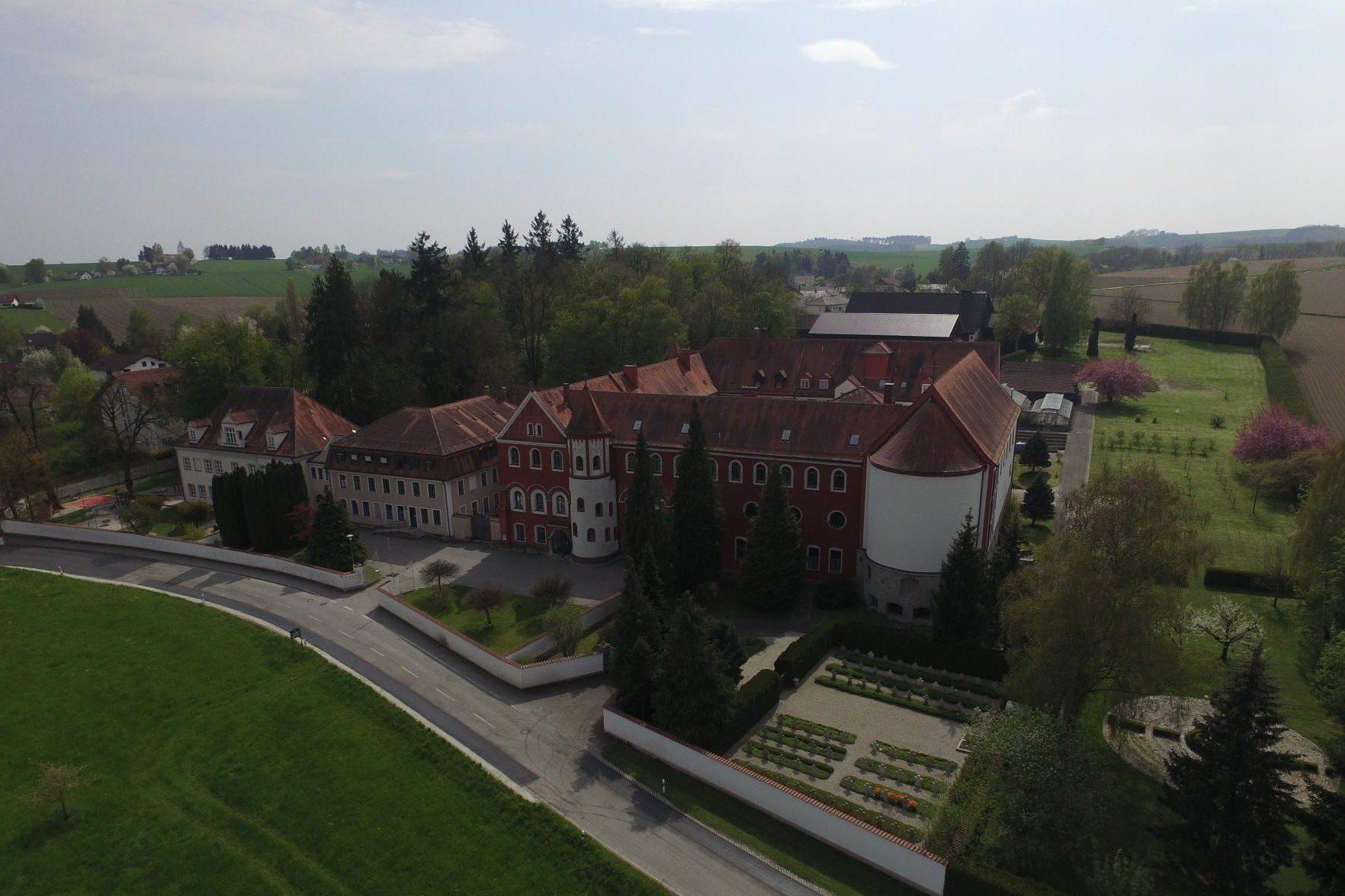 Benediktinerabtei St. Gertrud