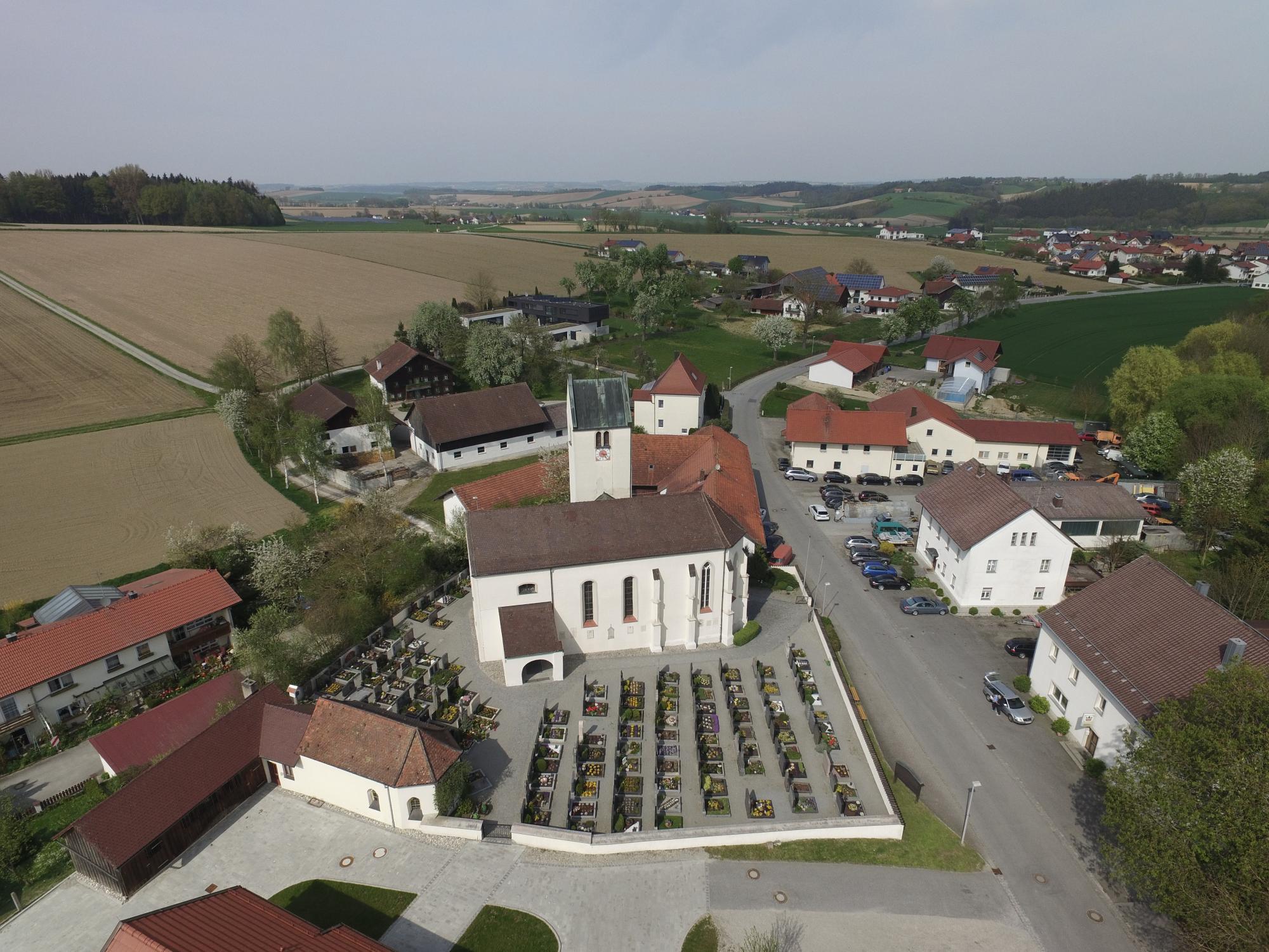 Hader Dorf und Kirche