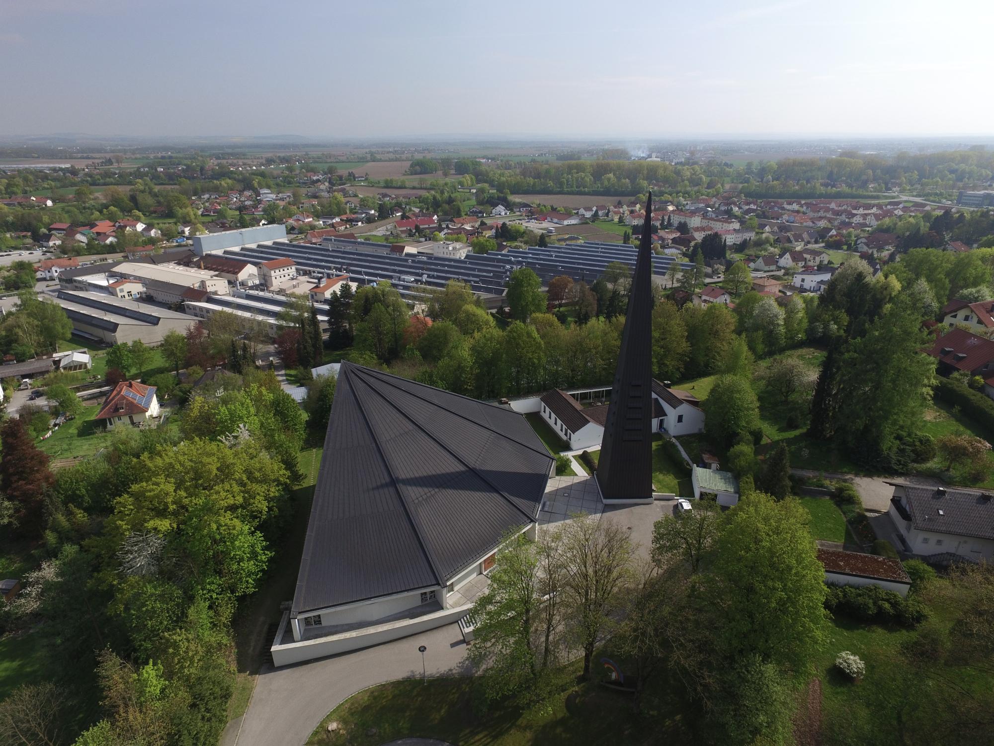 Kirche und Ort II