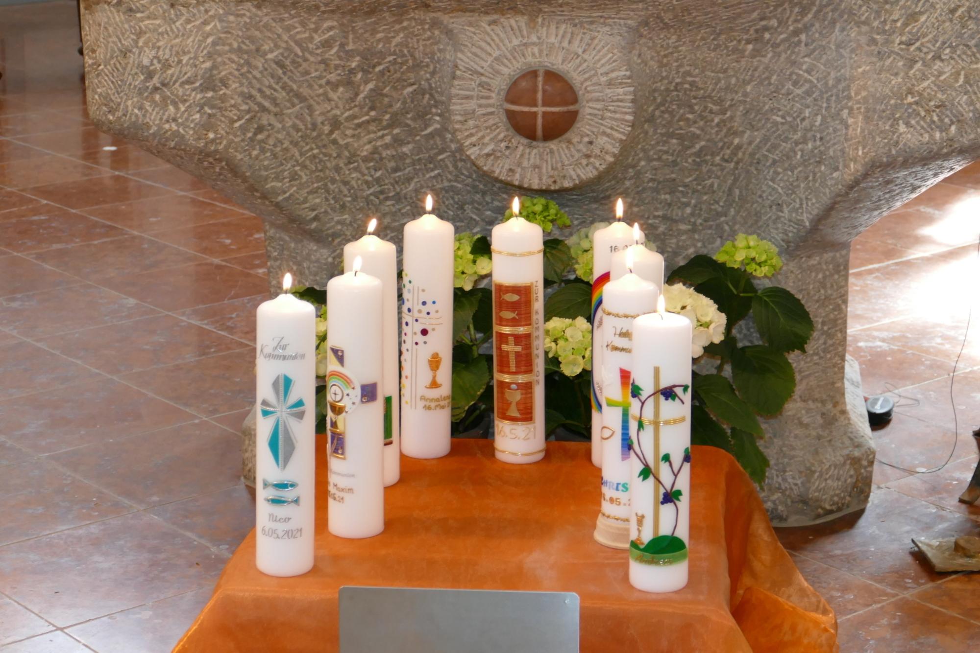 2021 Erstkommunion 16 Erstkommunionkerzen Wittibreut