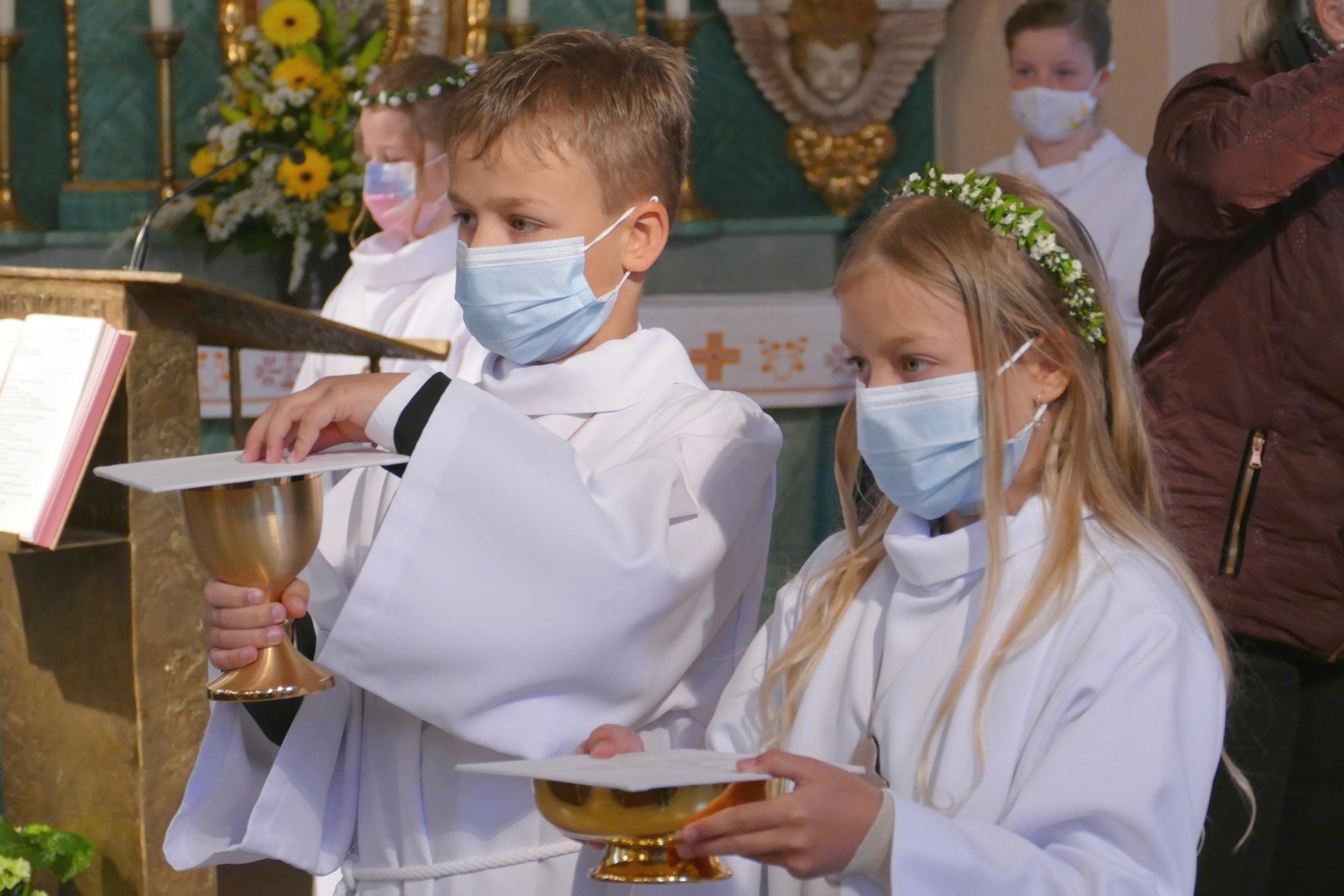 2021 Erstkommunion 18 Gabenzug Ulbering