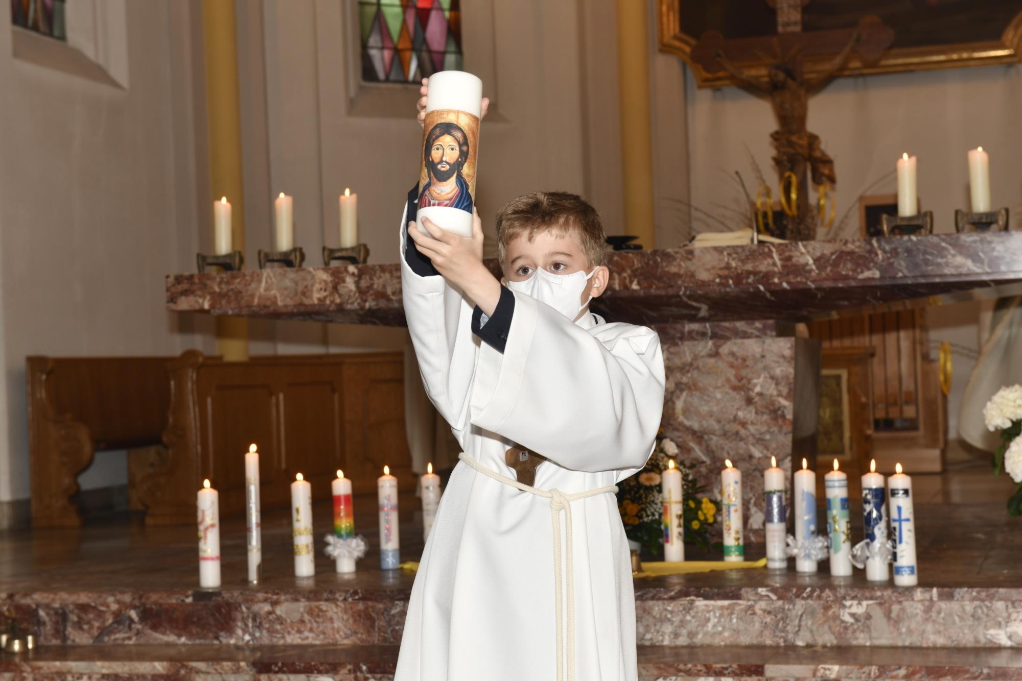 2021 Erstkommunion 6 Gabenzug St Marien