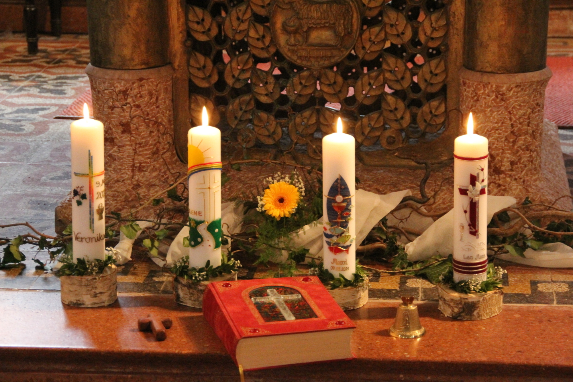 2021 Erstkommunion 9 Kommunionkerzen Kirchberg