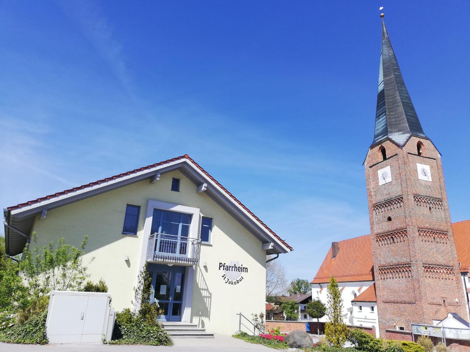 Wittibreut Kirche Pfarrheim