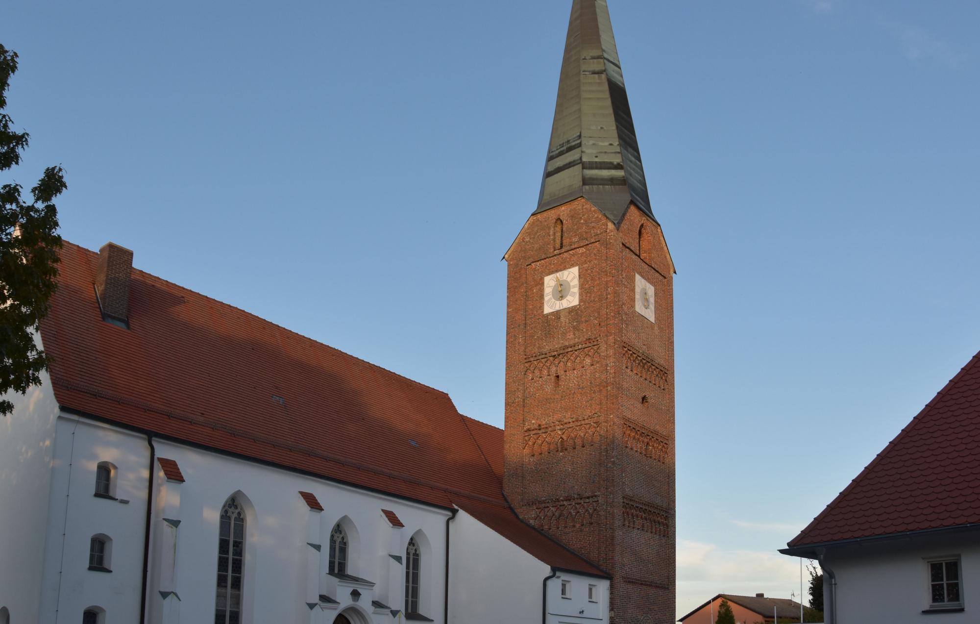 Wittibreut Kirche außen
