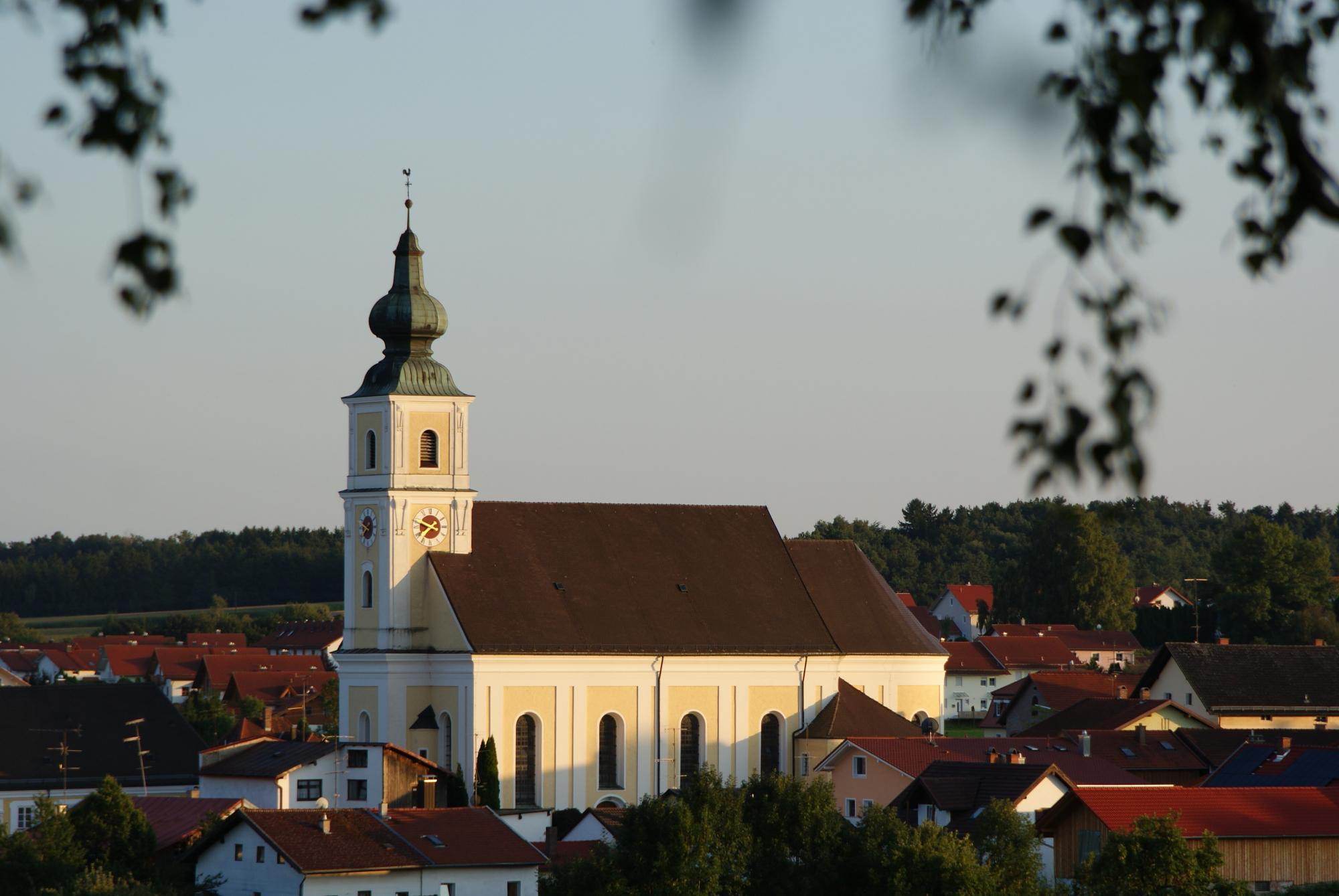 Wallfahrtskirche-St.-Petrus-und-Paulus_Tann