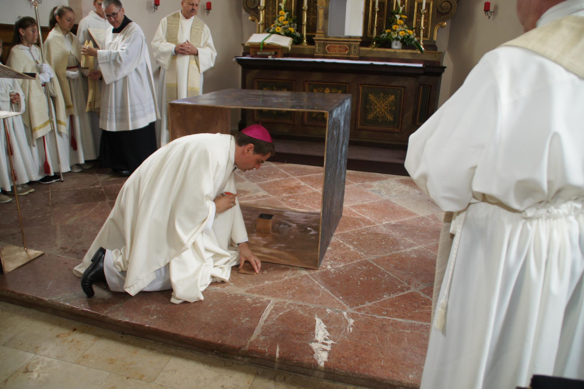 Altarweihe-Lengsham-DSC06290