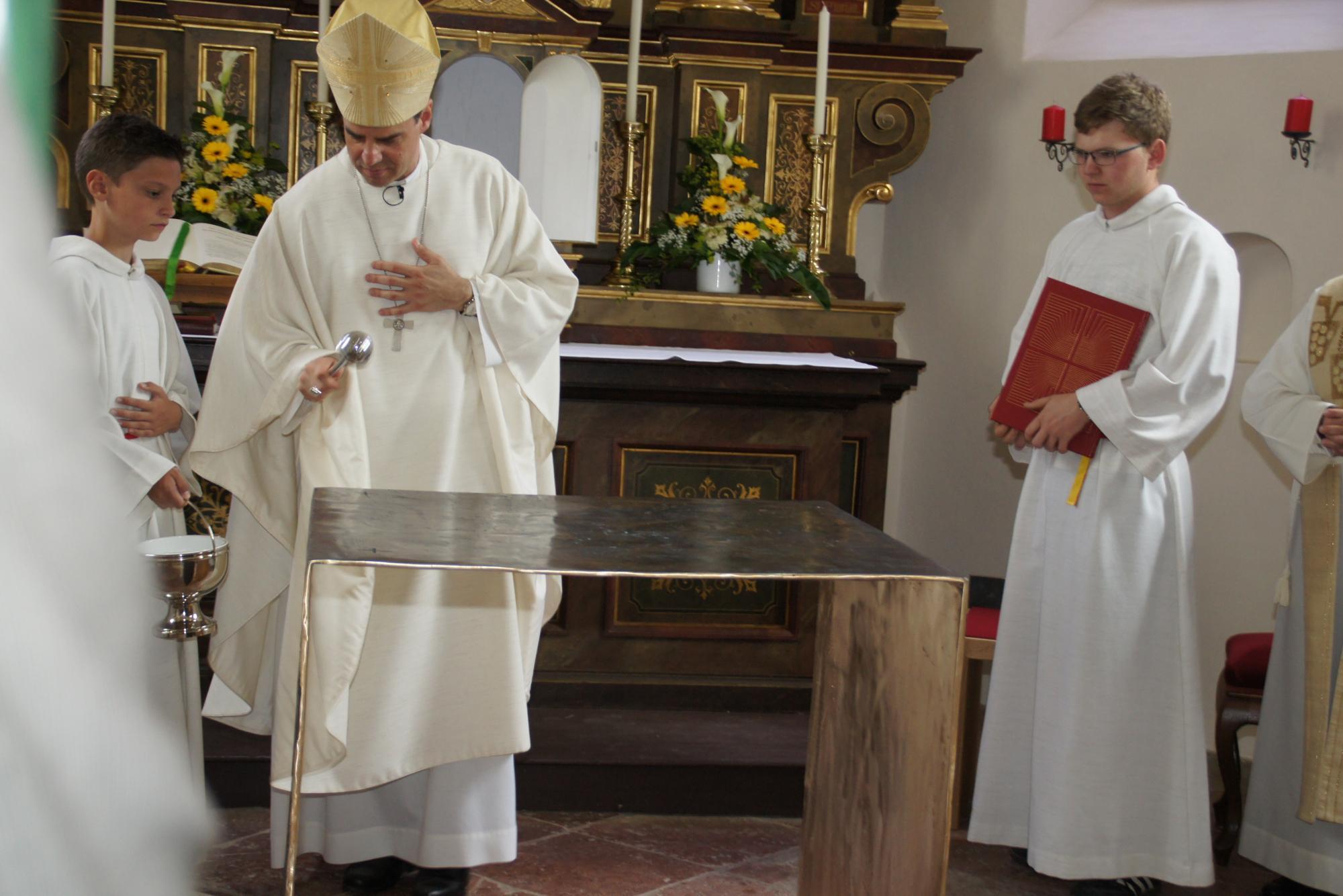 Altarweihe-Lengsham-DSC06295