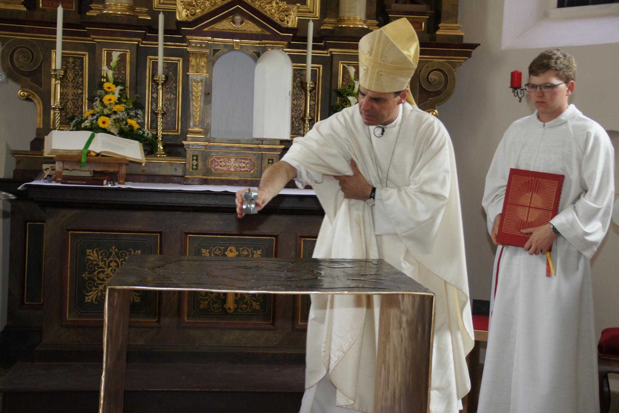 Altarweihe-Lengsham-DSC06298