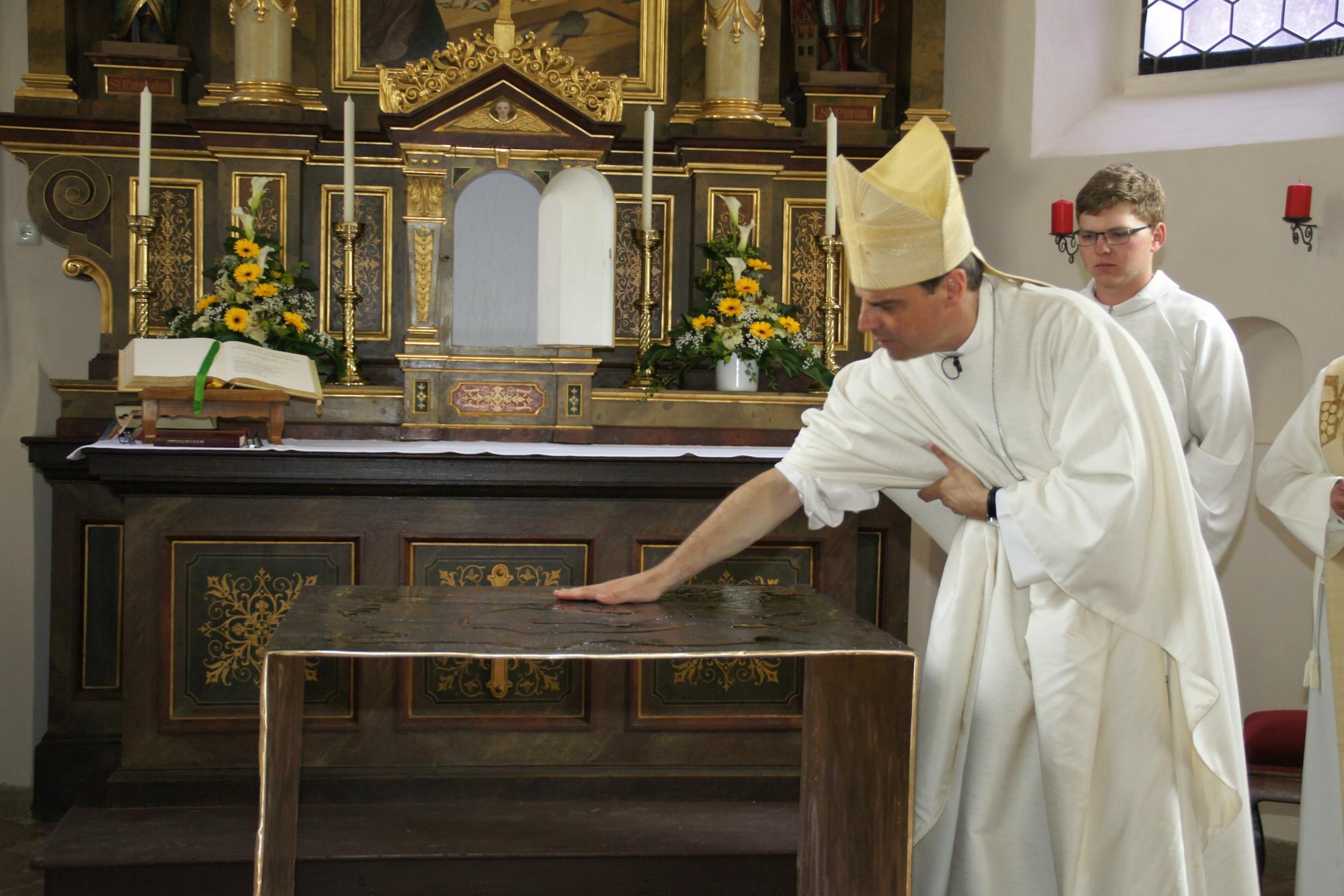 Altarweihe-Lengsham-DSC06299