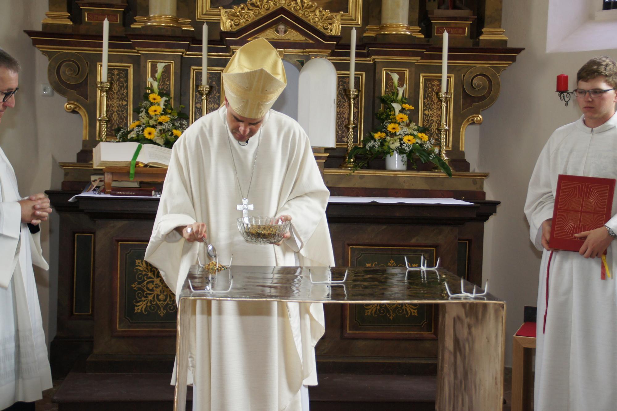 Altarweihe-Lengsham-DSC06301