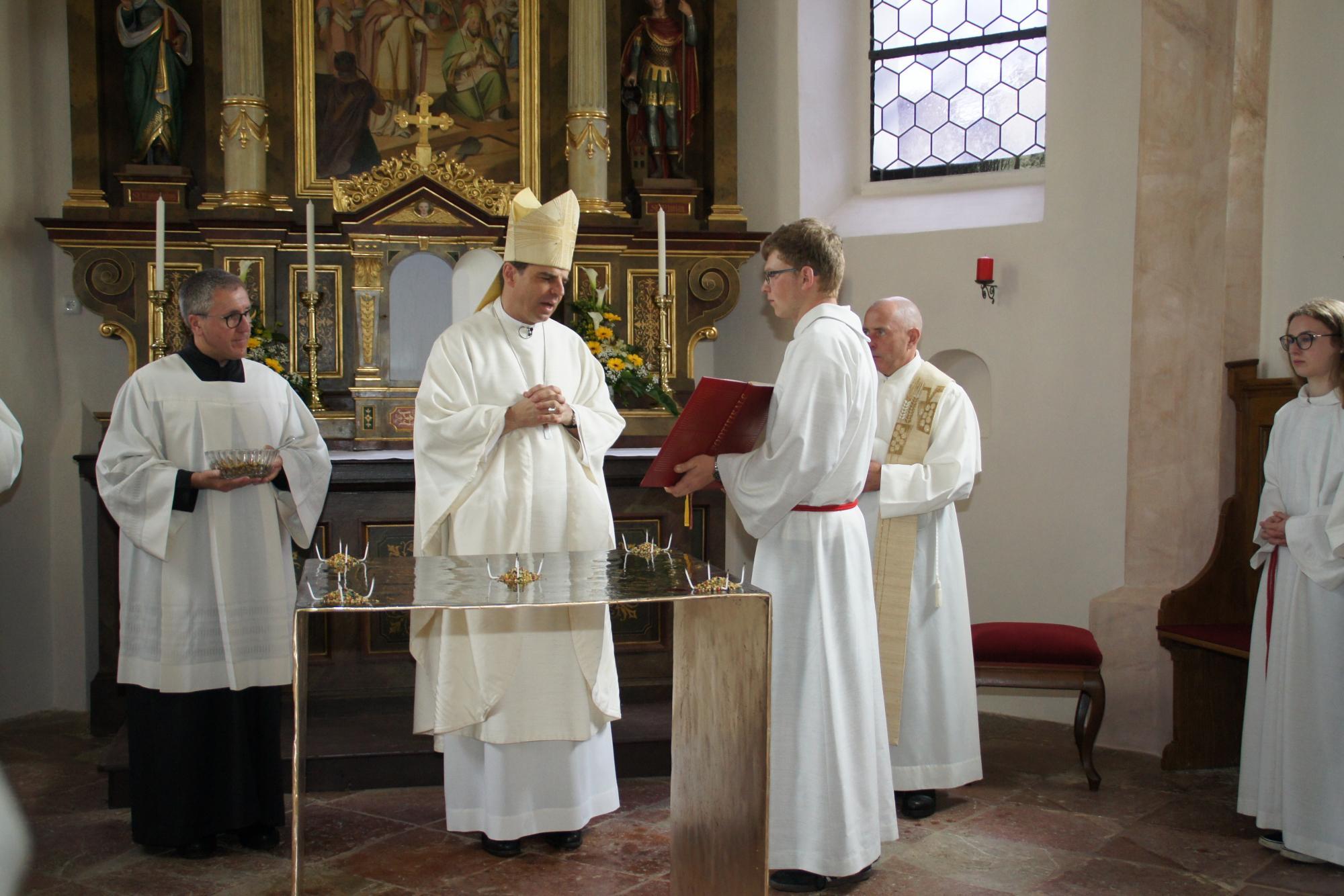 Altarweihe-Lengsham-DSC06303