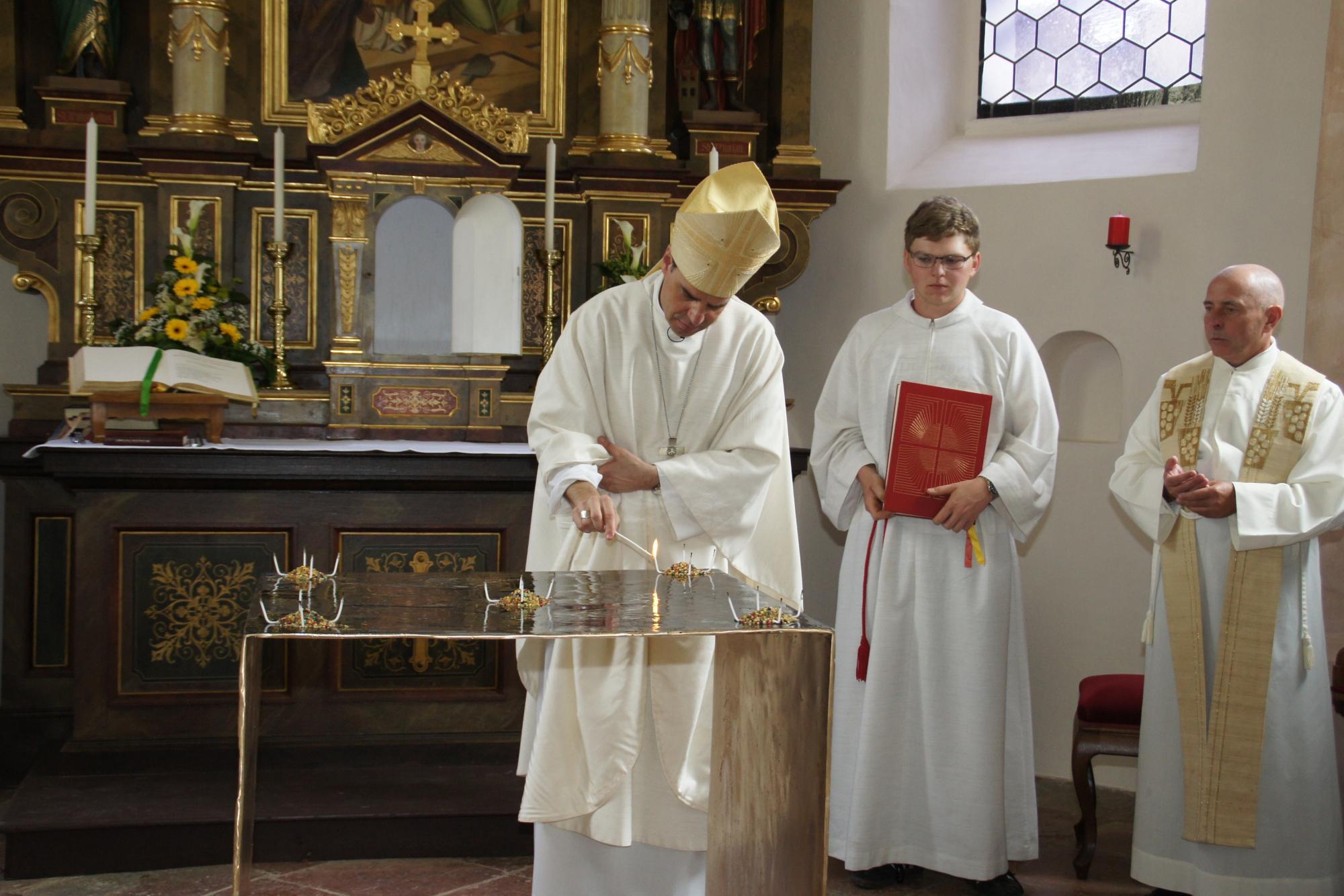 Altarweihe-Lengsham-DSC06304