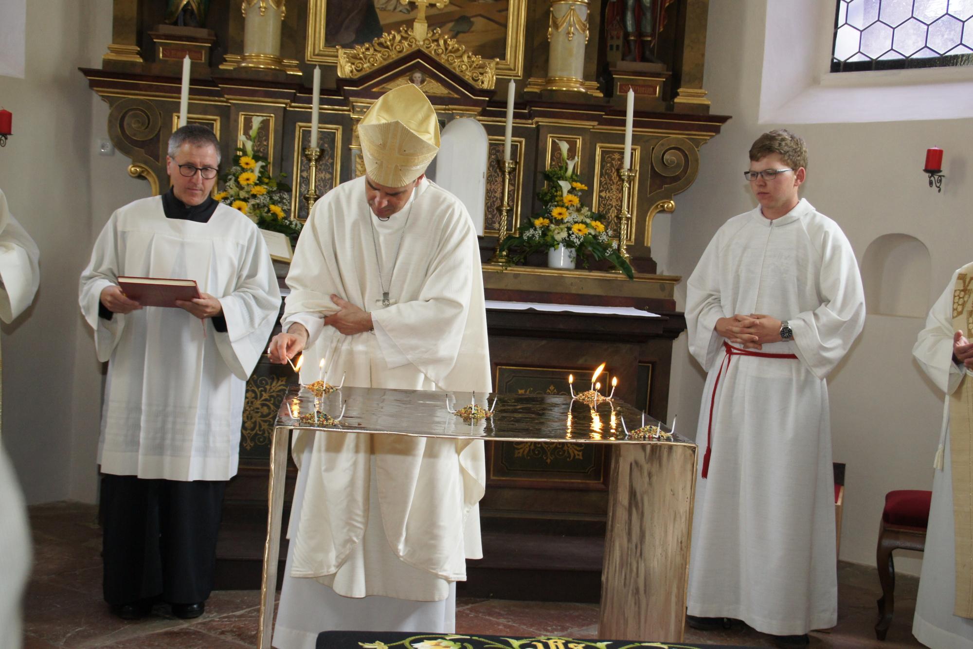 Altarweihe-Lengsham-DSC06305