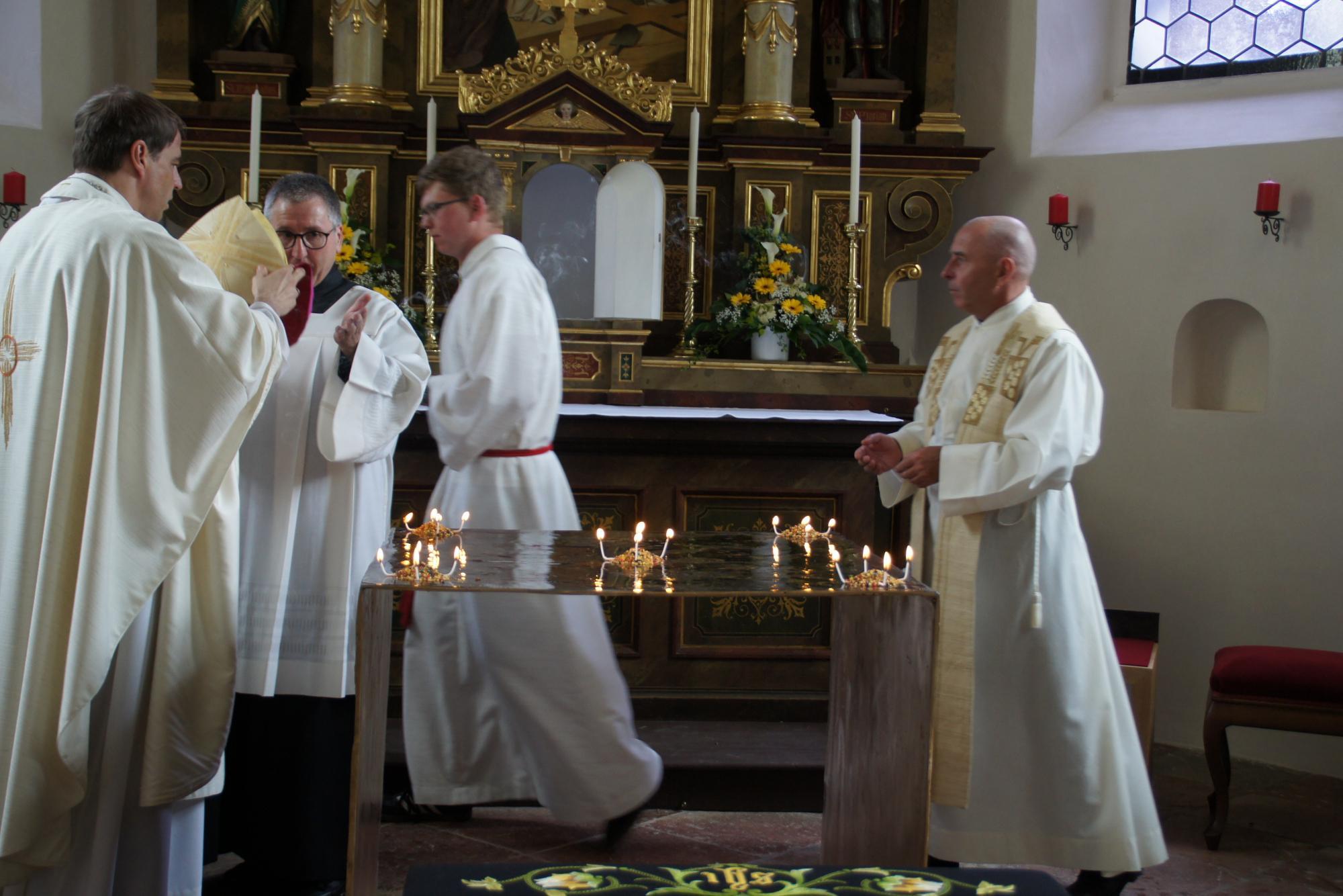 Altarweihe-Lengsham-DSC06307